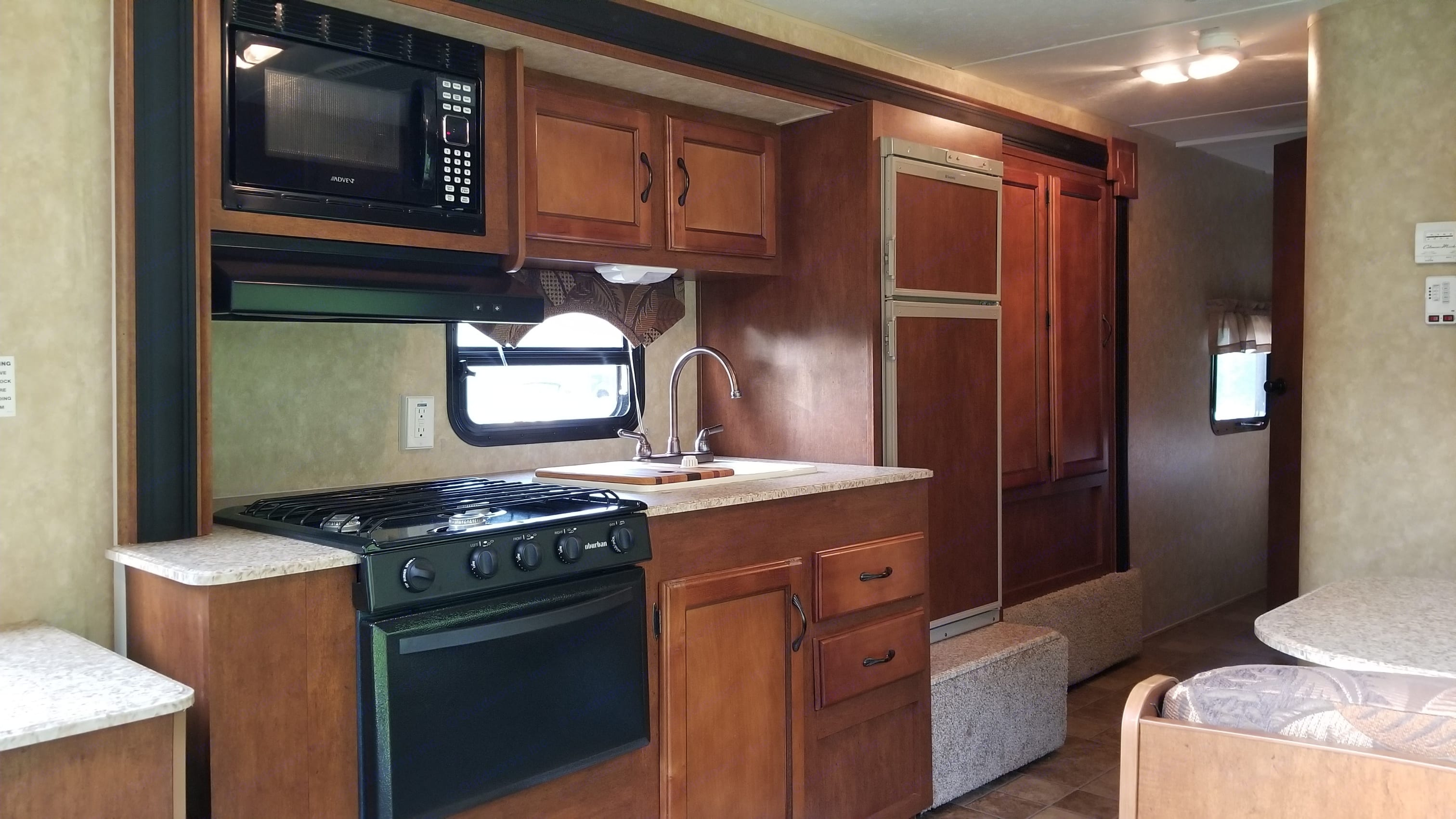 Lovely kitchen. Coachmen Catalina Santara 2013