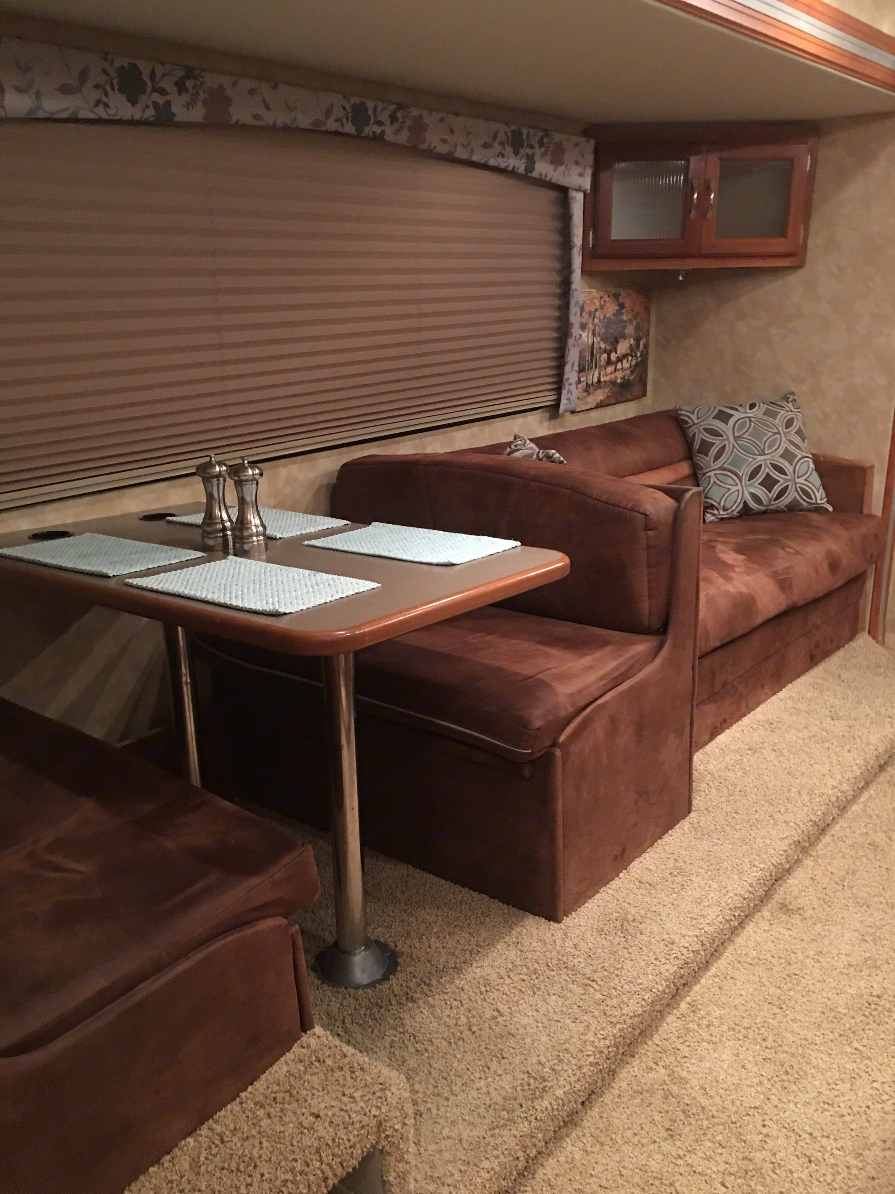 Dinette and couch. Coachmen Freelander 2008