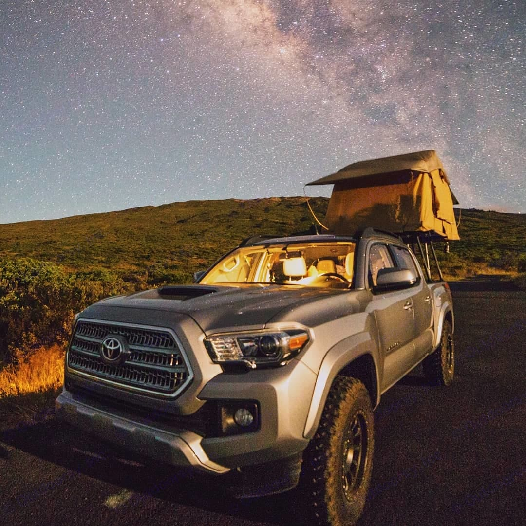 At 10,023 feet in elevation, away from all the lights of the city, the summit of Haleakala, the worlds larger dormant volcano offers some of the best stargazing in Hawaii!! Come sleep under the stars with us! @kuleanacampersmaui. Tuff Stuff Overland 2016
