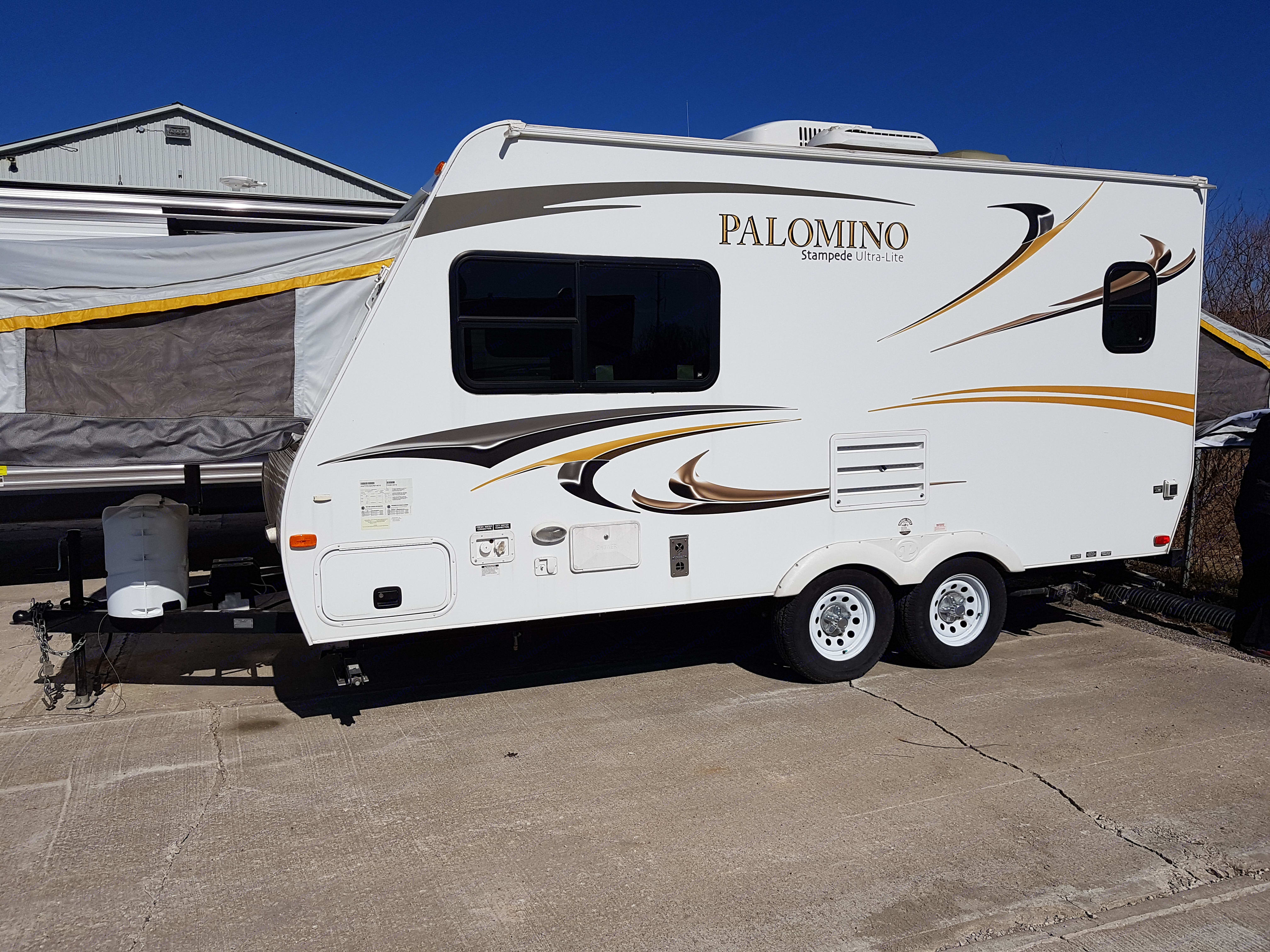 Small enough to tow easily but full of features and convenience. Palomino Stampede 2012
