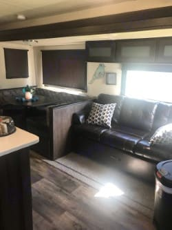 Living area. Forest River Wildwood 2018