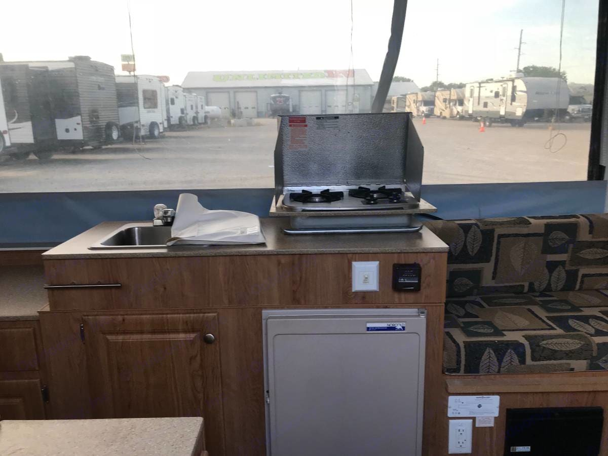 Sink and indoor/outdoor stove top. Jayco Jay Series 2008