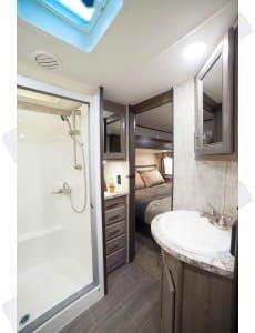 Full size Large shower. Open Range 371 MBH 2017