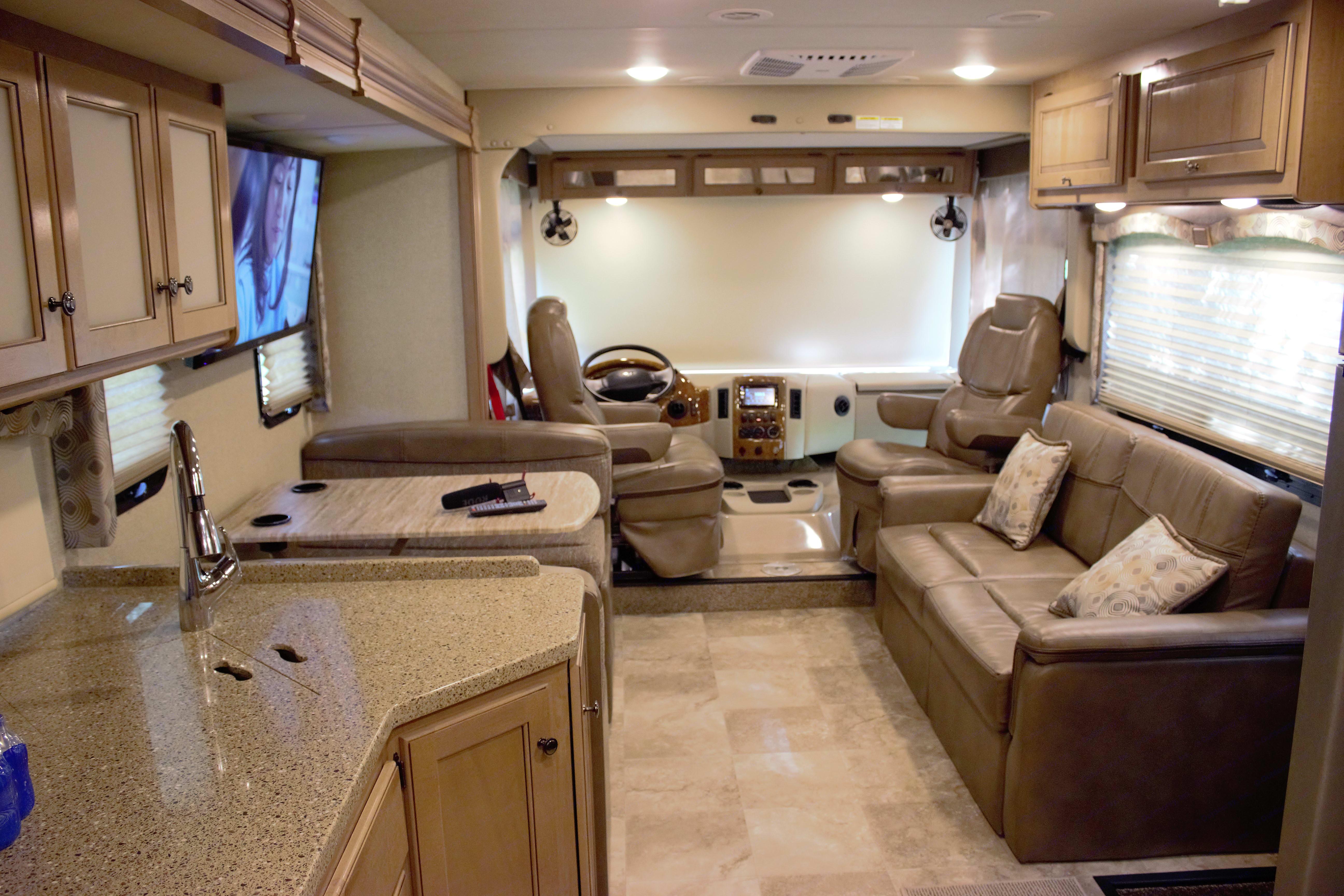 Plenty of lounge space.... Thor Motor Coach Windsport 2018