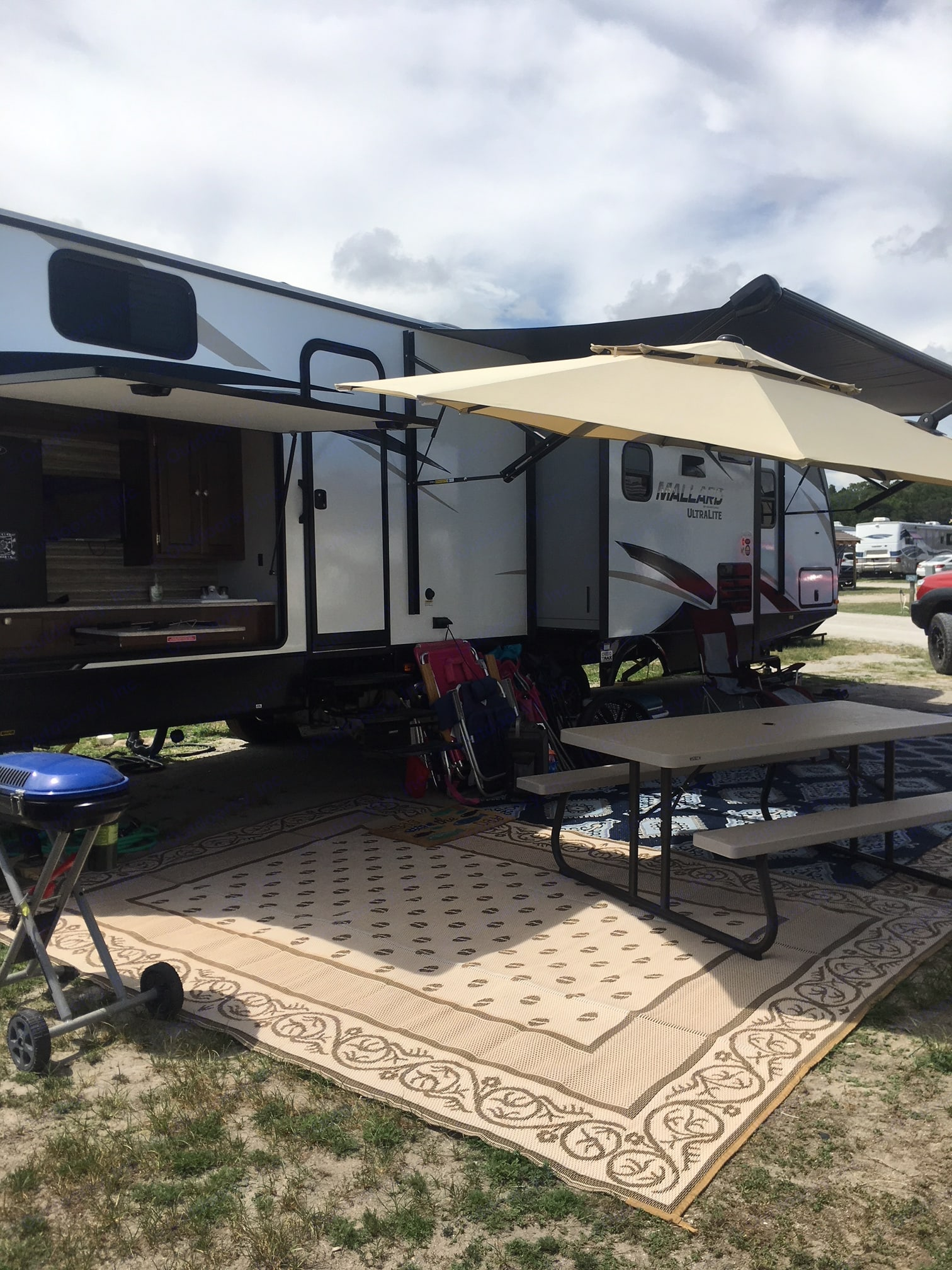 Set up at the beach!. Heartland Mallard 2019