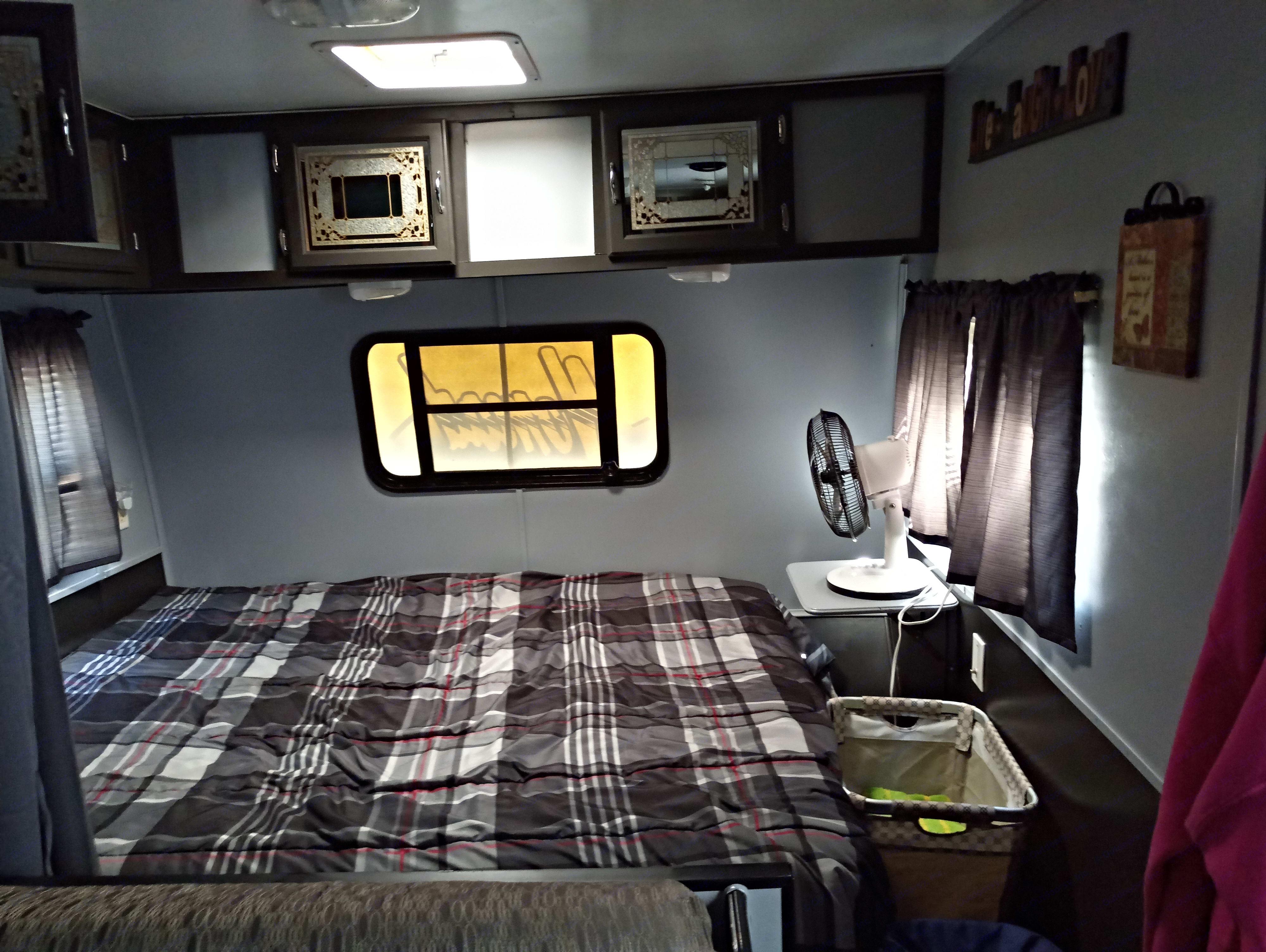 Bed sleeps 2. Skyline Nomad 1996