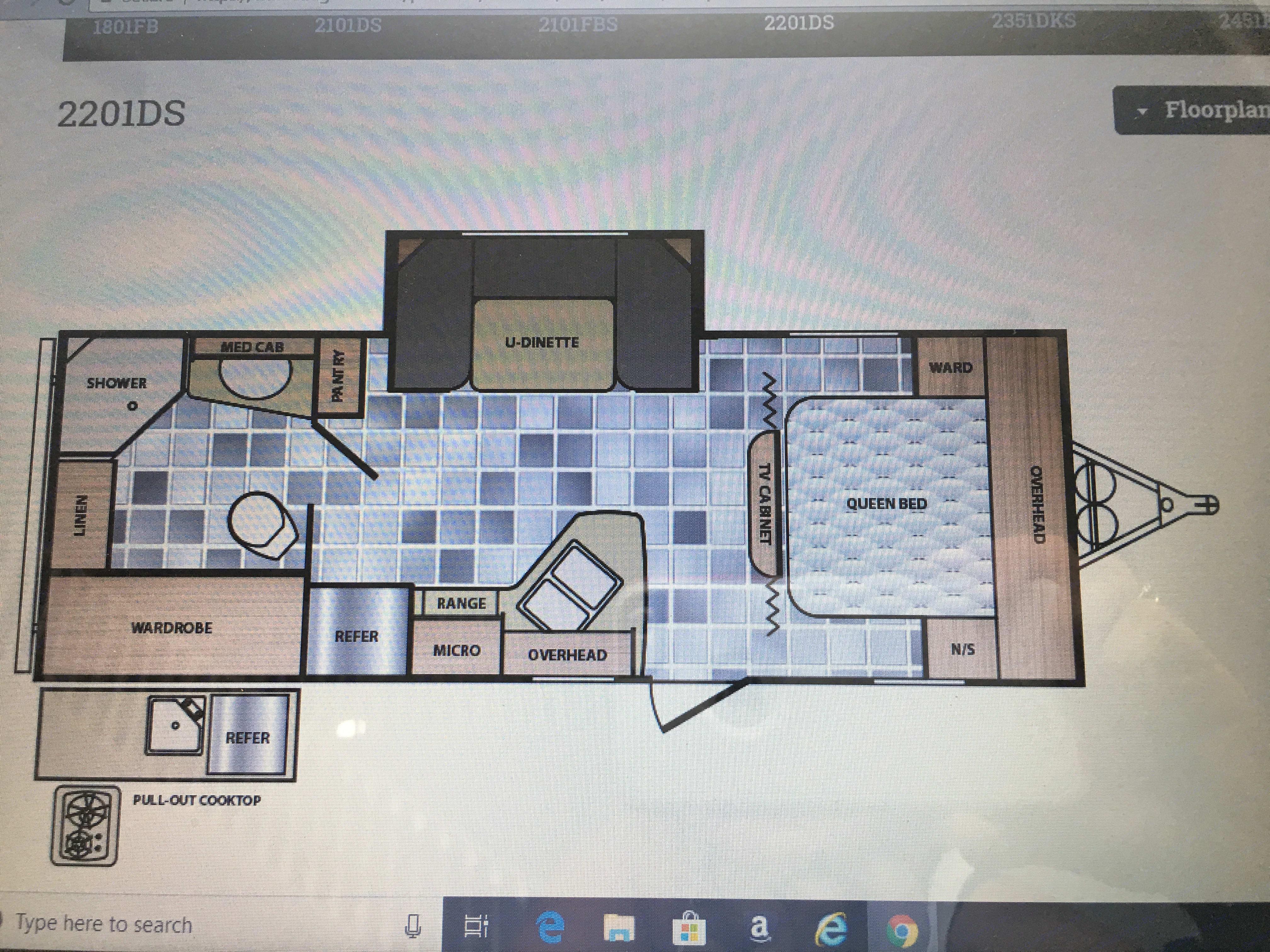 Model 2201DS flooran. Winnebago Minnie Winnie 2015