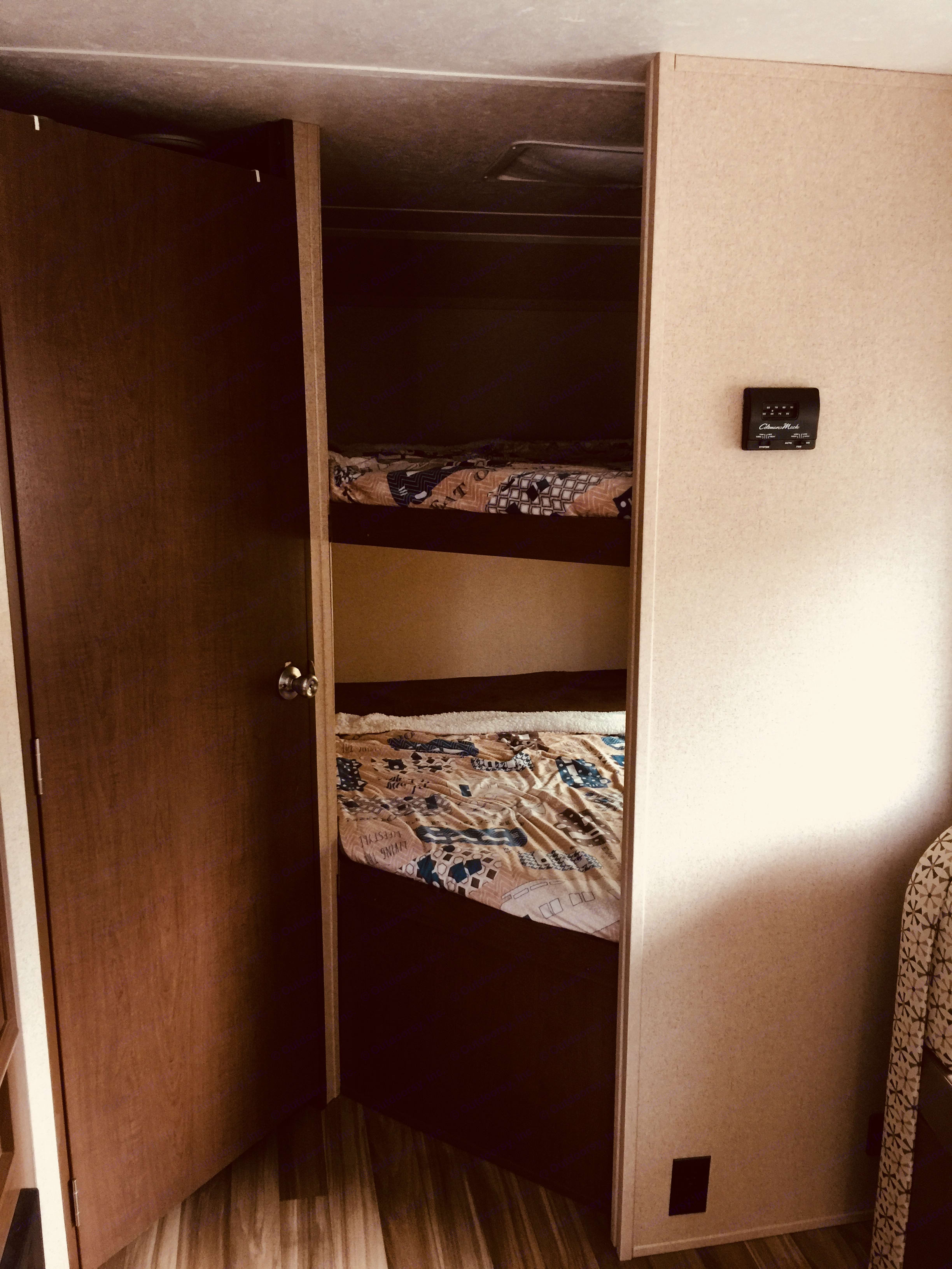 Dual full bunk bathroom off to left *linens not included unless added on. Shasta Oasis 2018