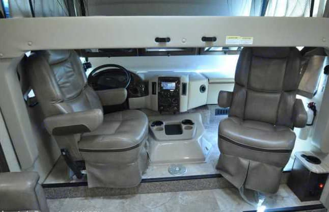 Queen size overhead bunk.. Thor Motor Coach Windsport 2018
