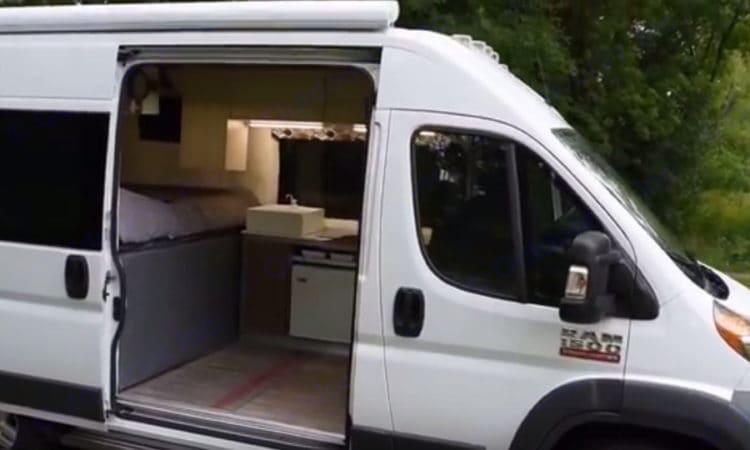 Dodge Sprinter Van 2000