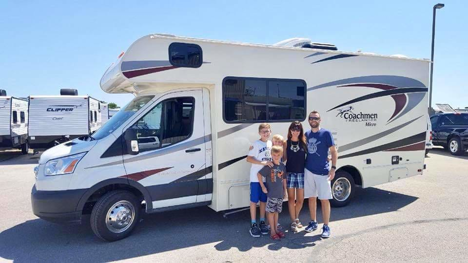 Take a ride in this new 2019 Coachmen Freelander Micro.  Perfect for just 2 or a young family. Coachmen Freelander 2019