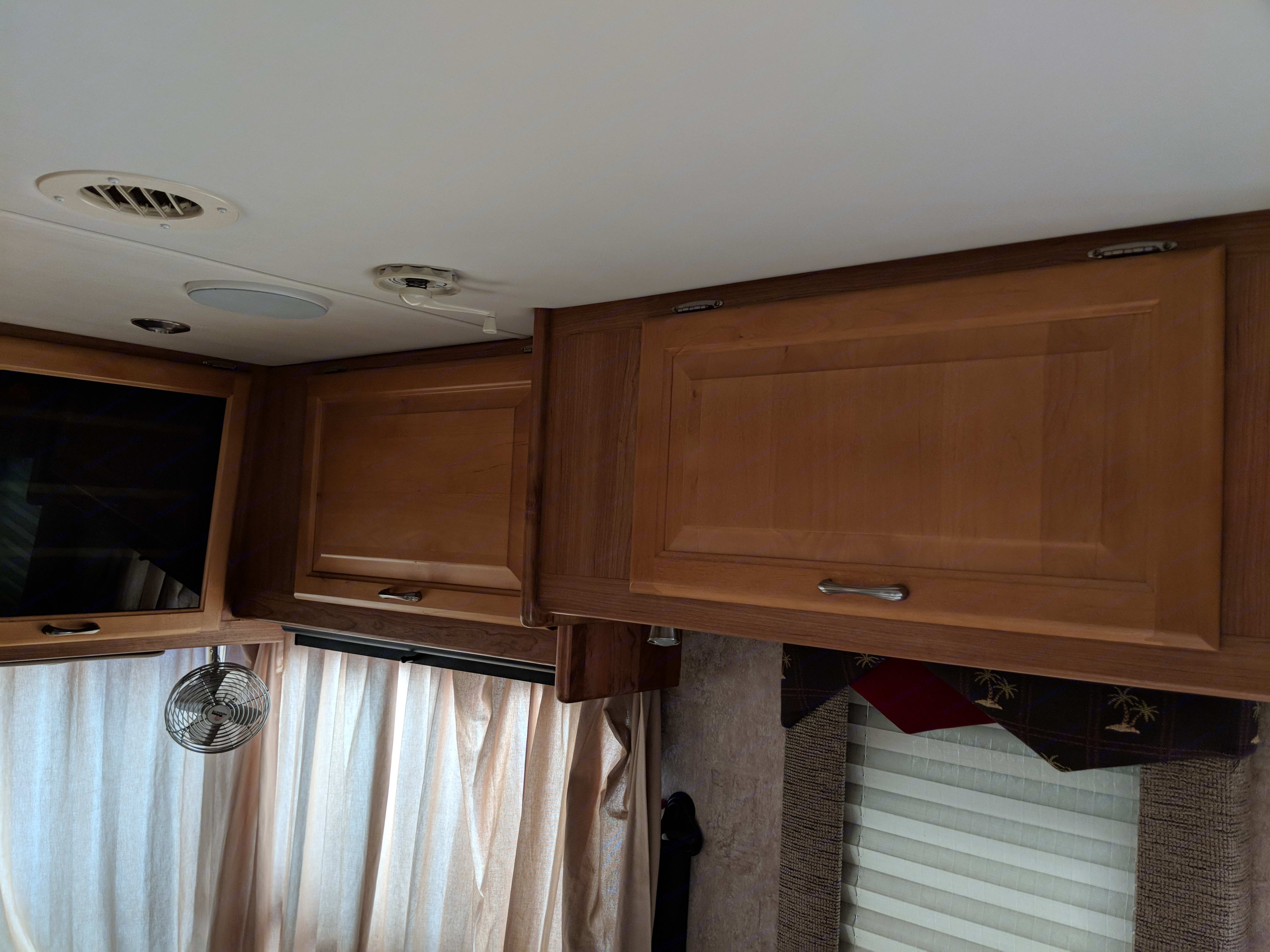 Lot of cabinet space in the front.. National Sea Breeze 2007
