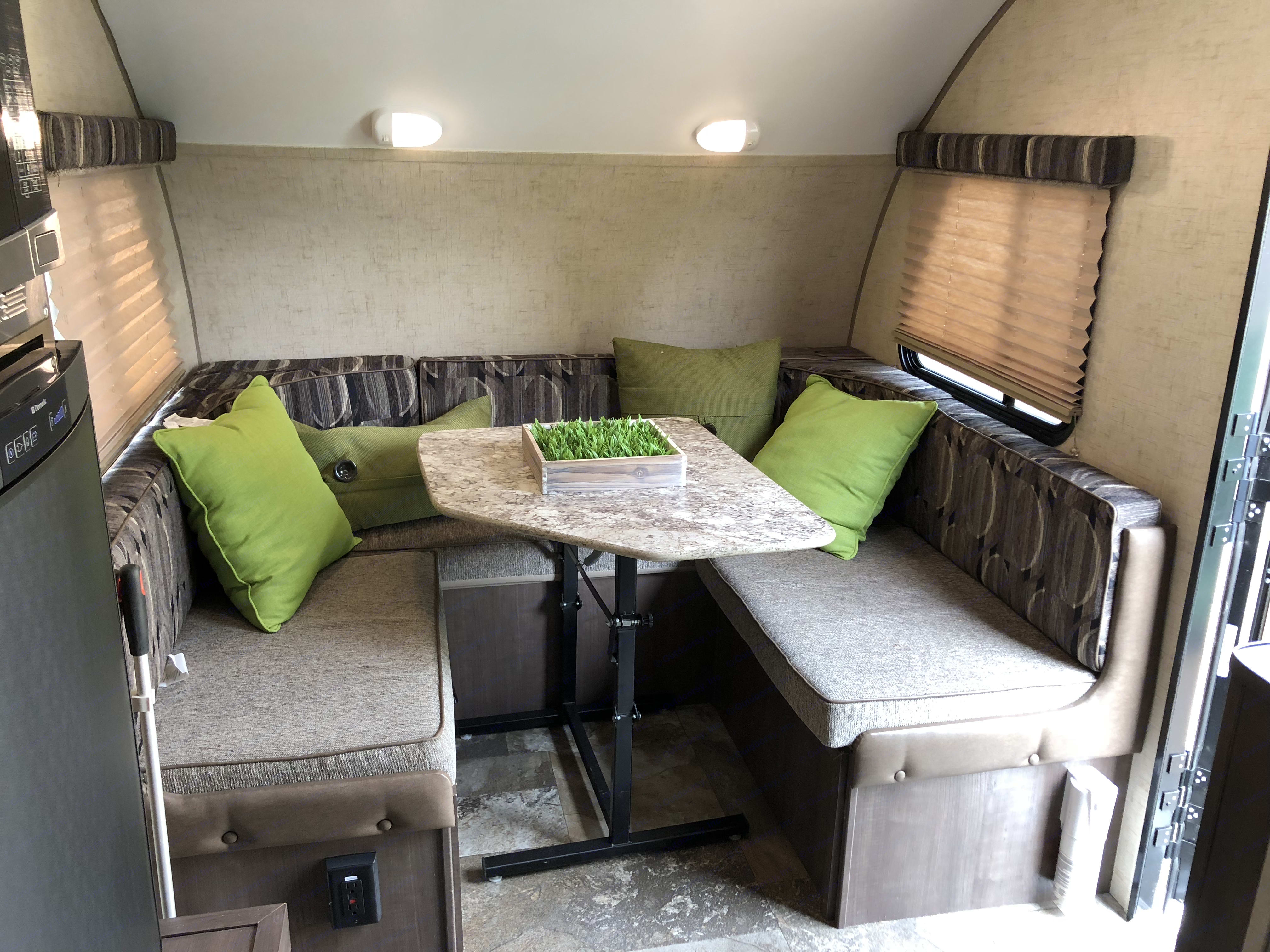 The dining area breaks down into a sleeping area for 2. Forest River R-Pod 2015