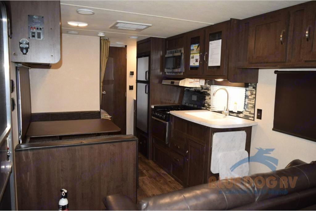 Kitchen Dinette area. Forest River Cruise Lite 2018