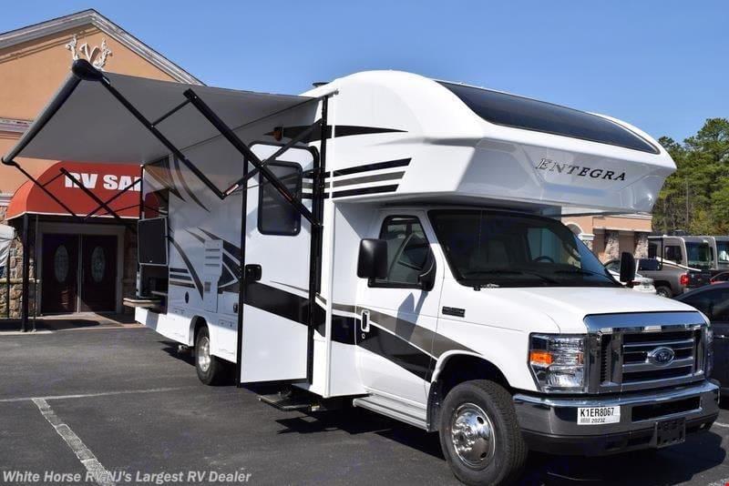 Ford Entegra Coach 2019