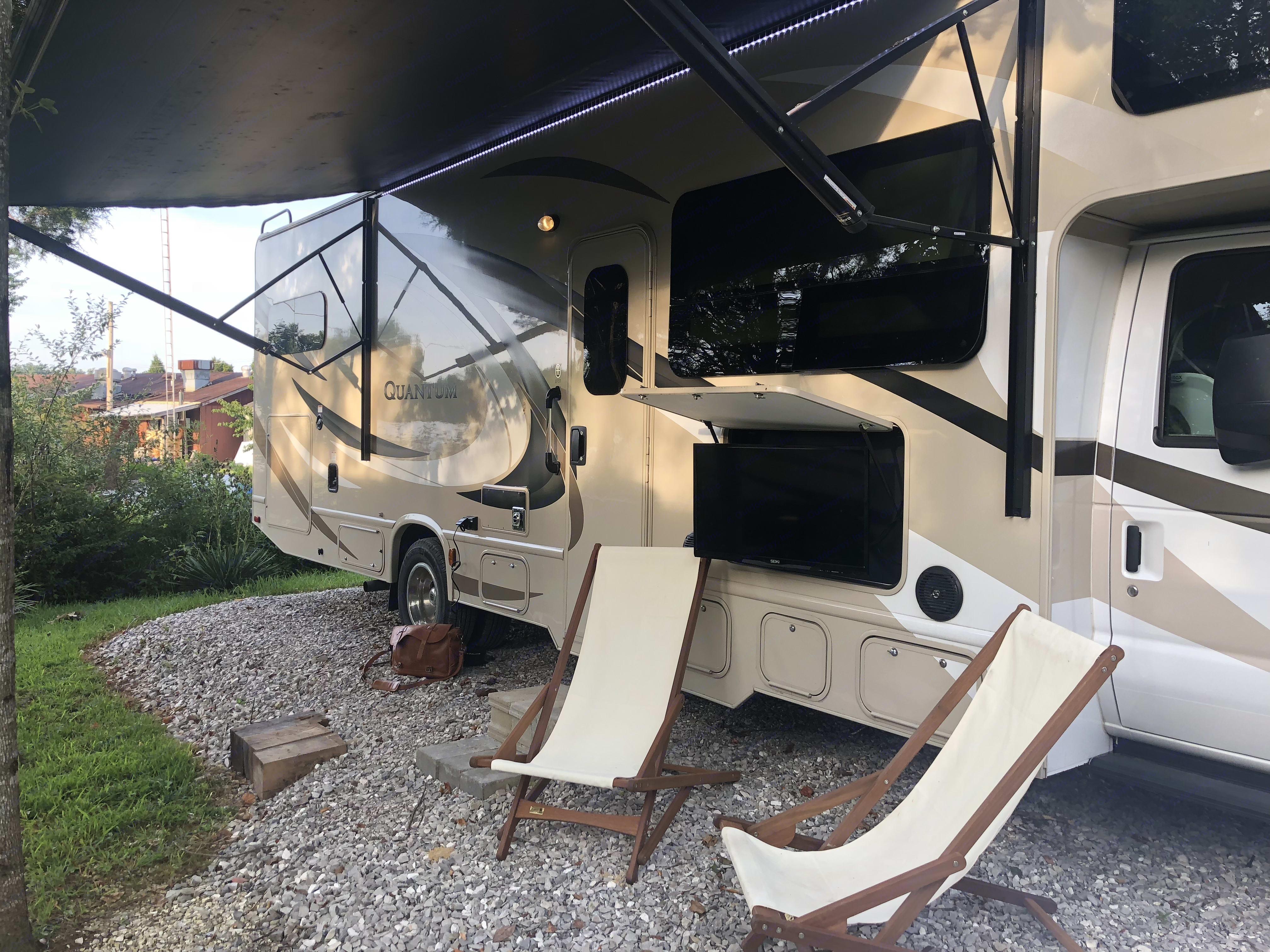 Thor Motor Coach Quantum LF31 2017
