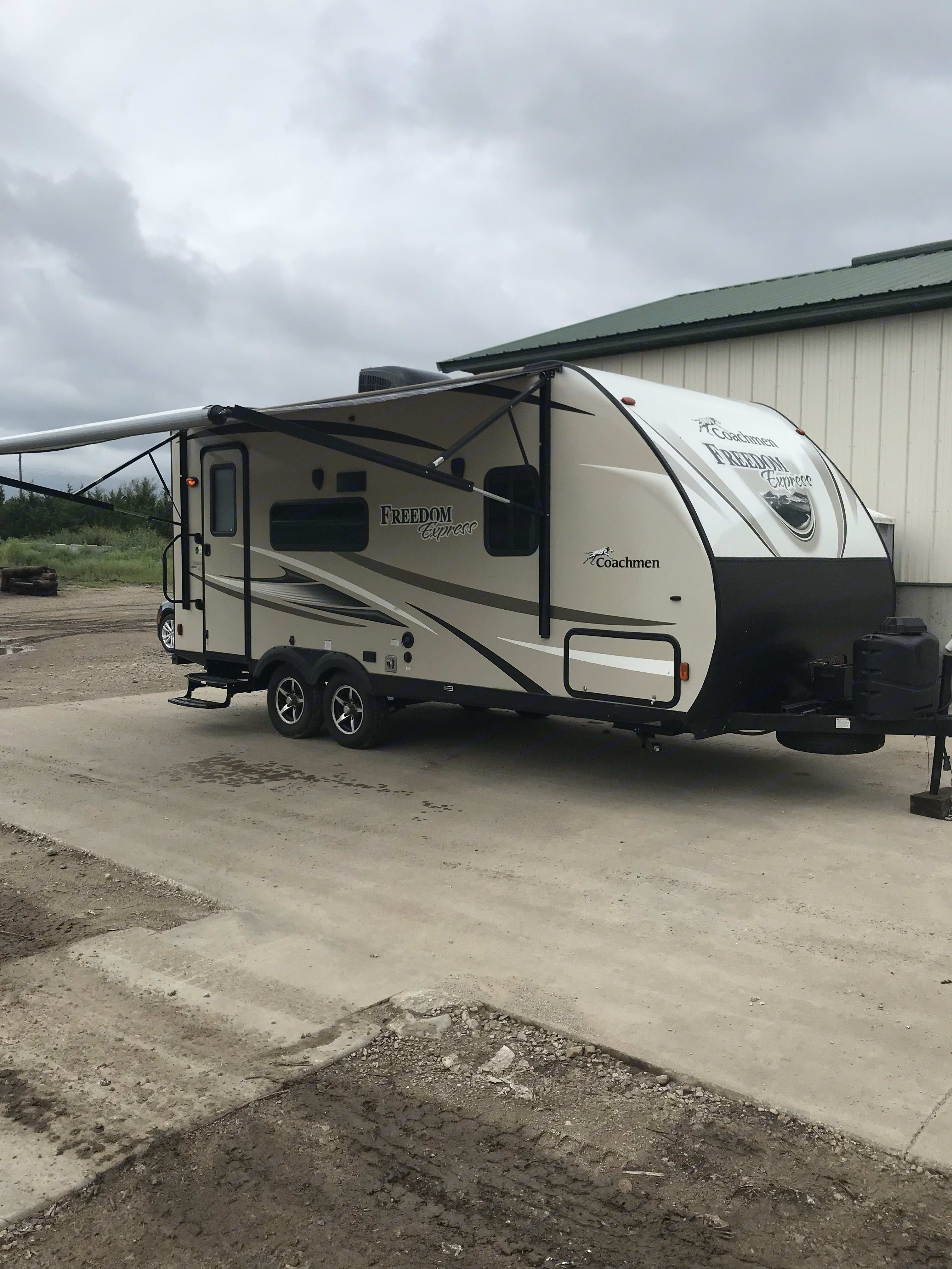 Outside view with awning extrended.. Coachmen 192RBS FREEDOM EXPRESS 2017
