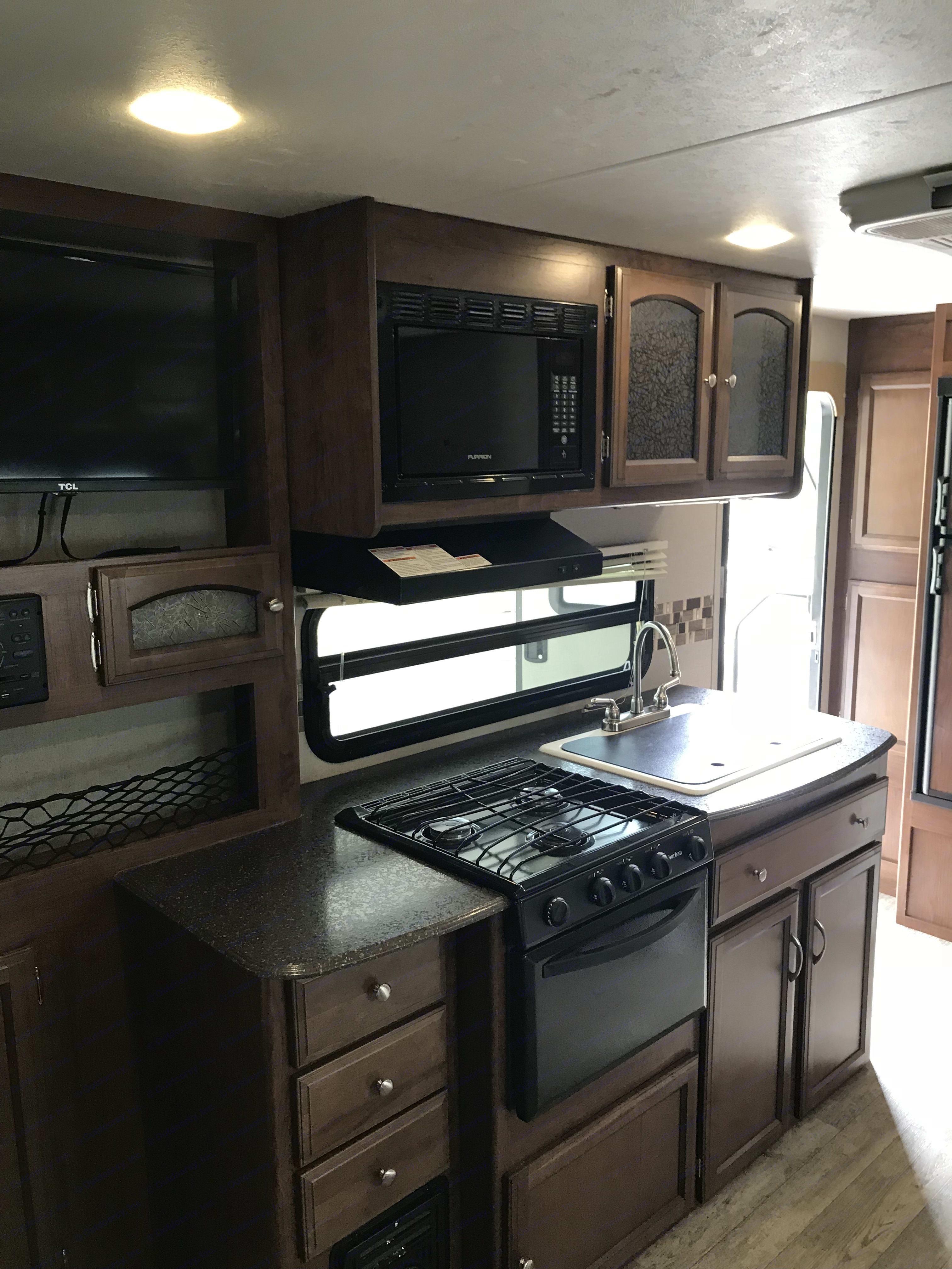 Nice kitchen. Coachmen 192RBS FREEDOM EXPRESS 2017