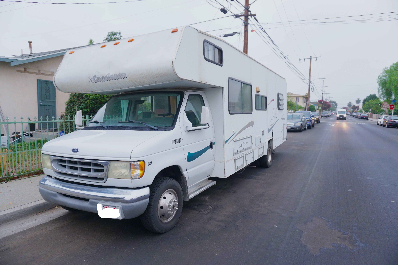 Coachmen Pathfinder 2002