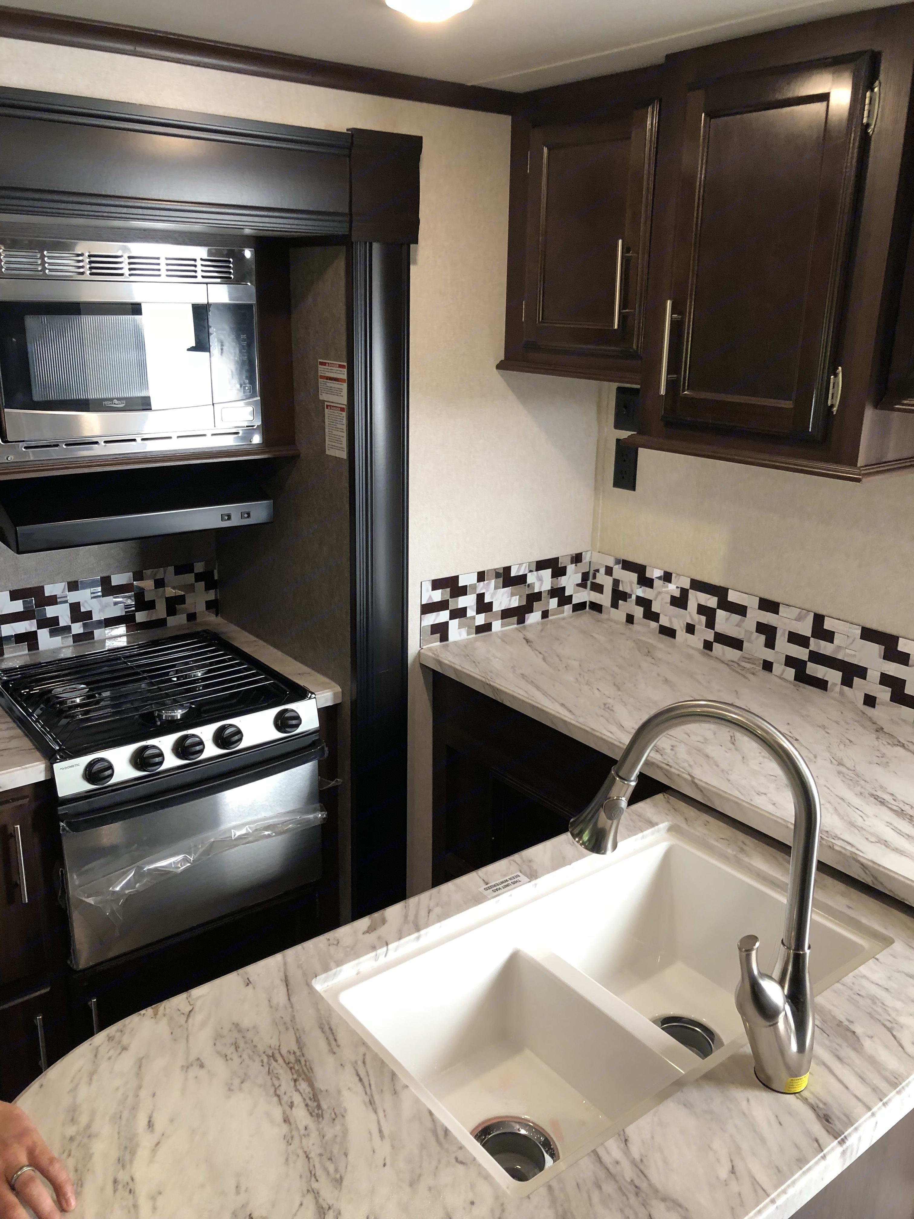 Nice Kitchen. Jayco Jay Flight 2019