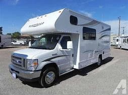 Oil change was just done in September.  Inspected and detailed last year and fabric guarded.  Easy and comfortable to drive.. Winnebago Minnie Winnie 2015