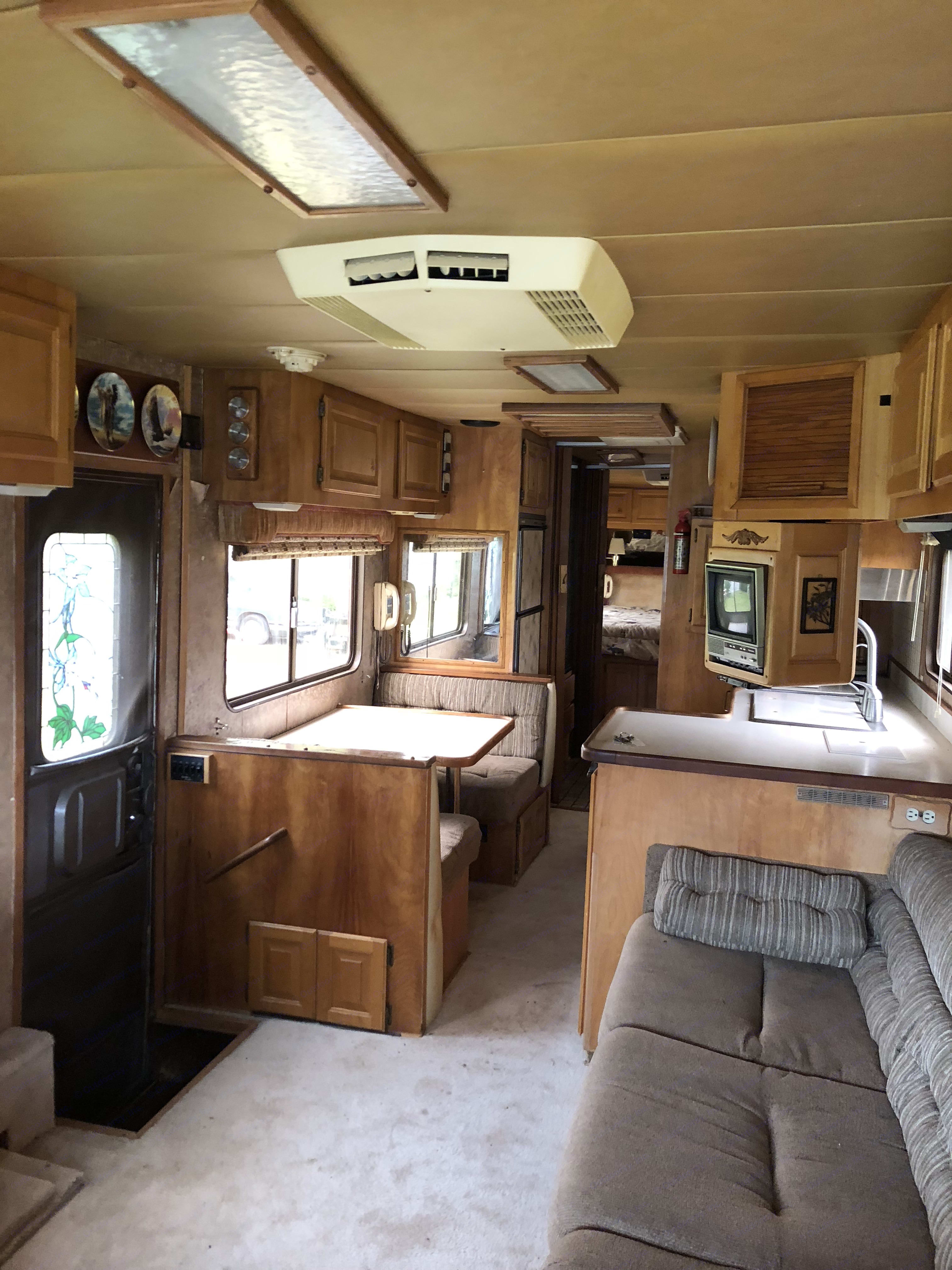 Country Coach 38 1984