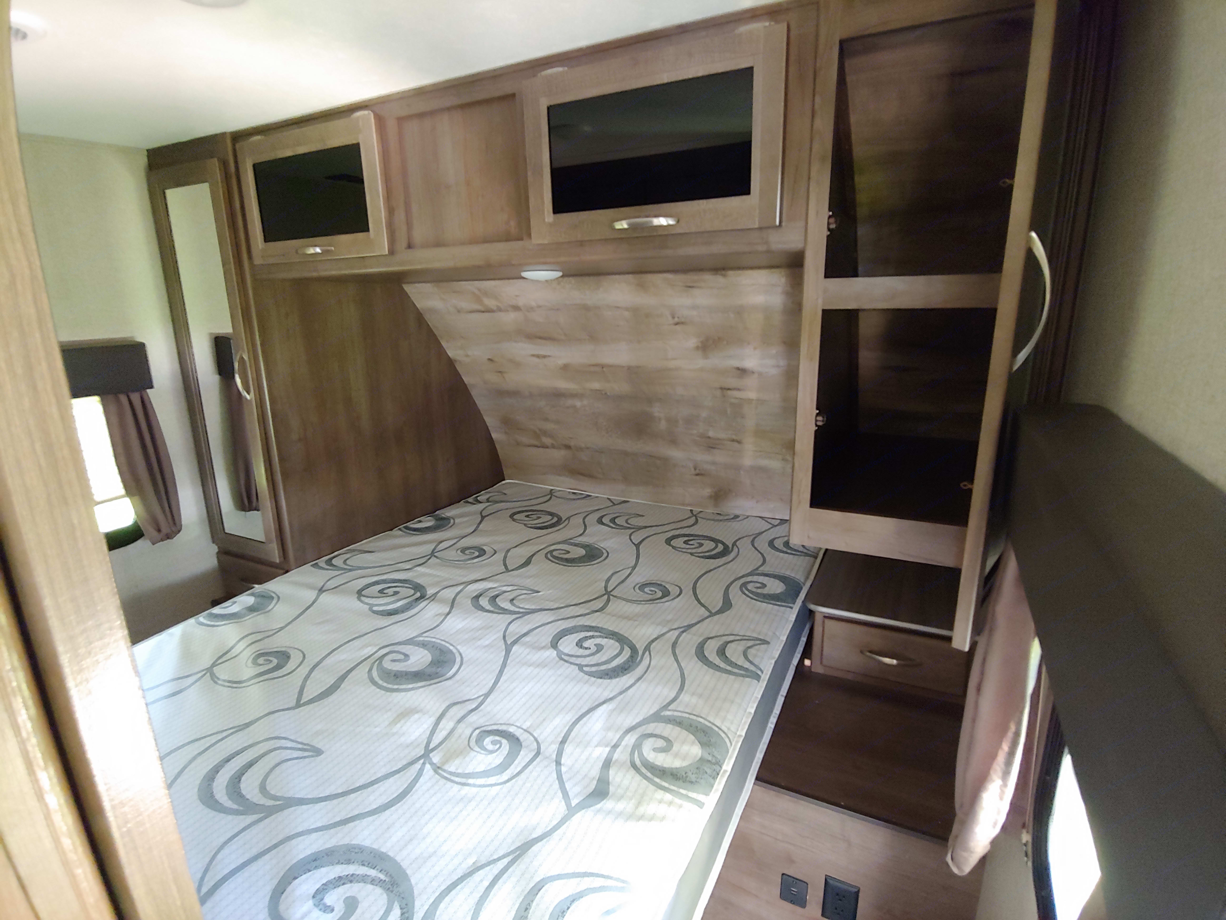 Master Bedroom. Coleman Lite 3015 BHS 2018