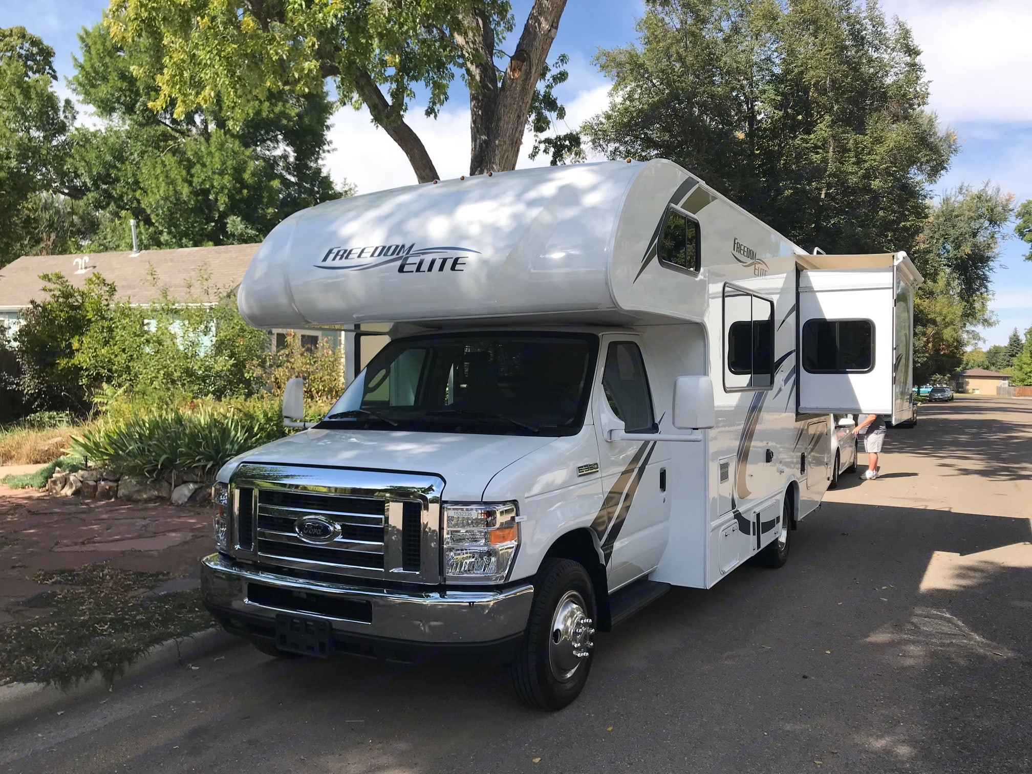 Super easy to drive and has a back up camera too!. Thor Motor Coach Freedom Elite 2019