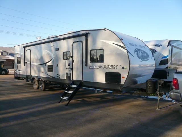 Full trailer. Forest River Cherokee Wolf Pack 2018