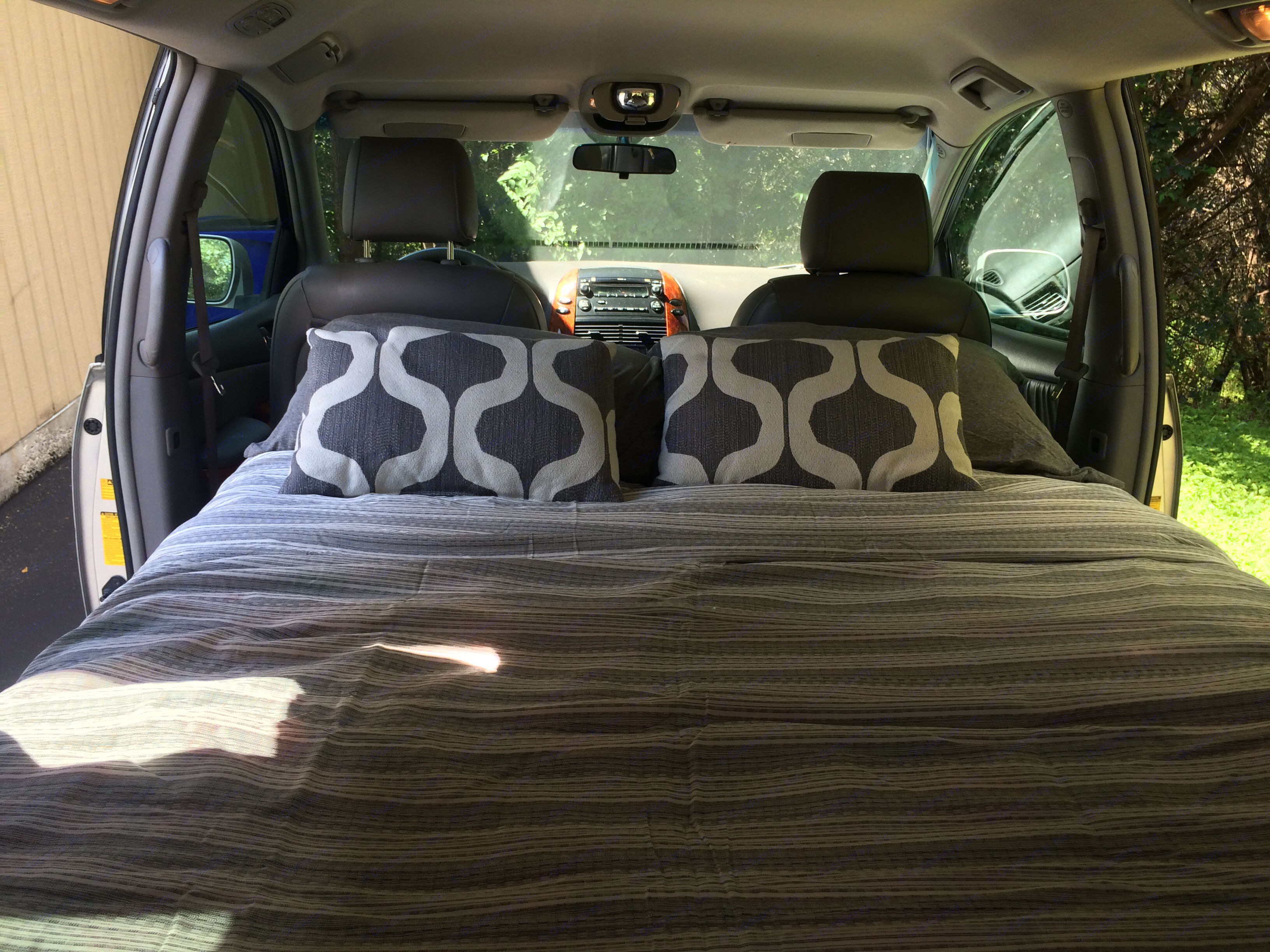 Spacious full size bed! We provide CLEAN and SANITIZED 10 degree mummy sleeping bags and camp pillows for four people at no extra fee or you may bring your own as well.. Toyota sienna 2008