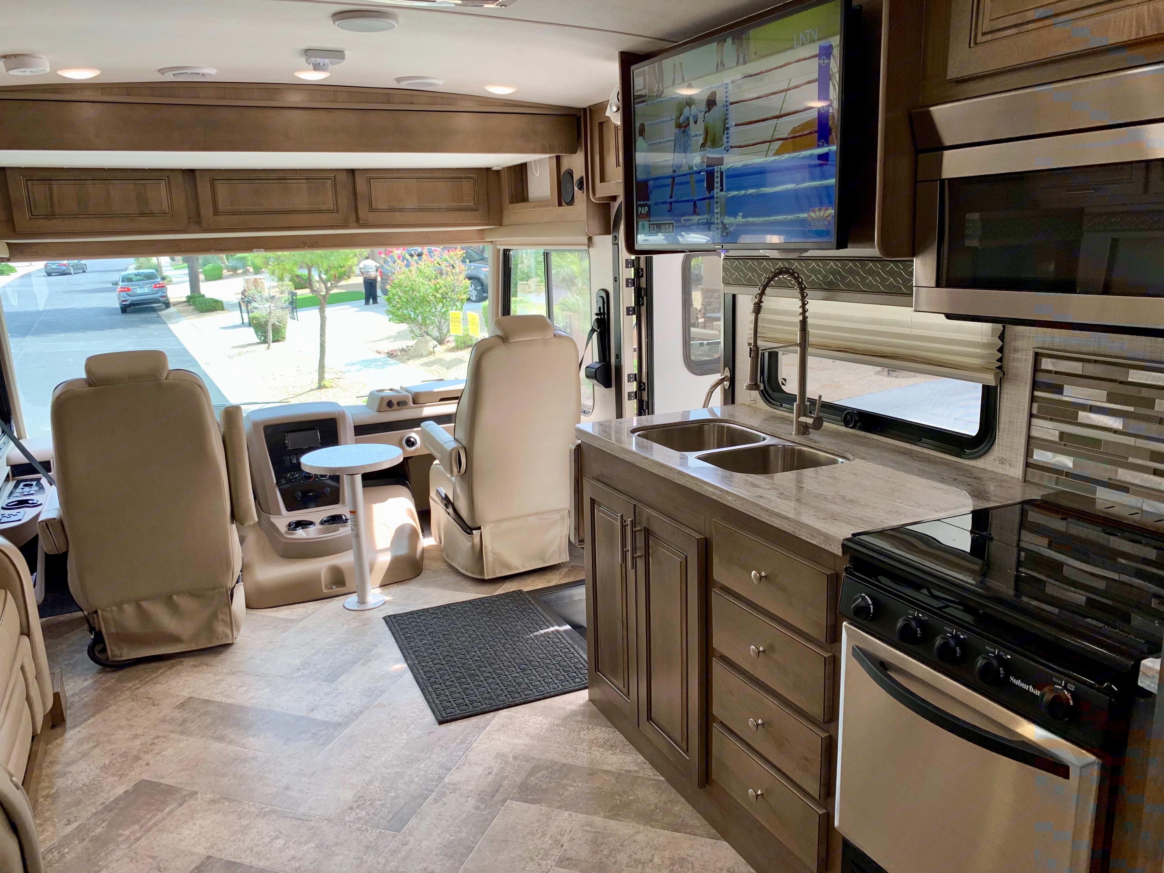 Kitchen. Forest River Georgetown 2019
