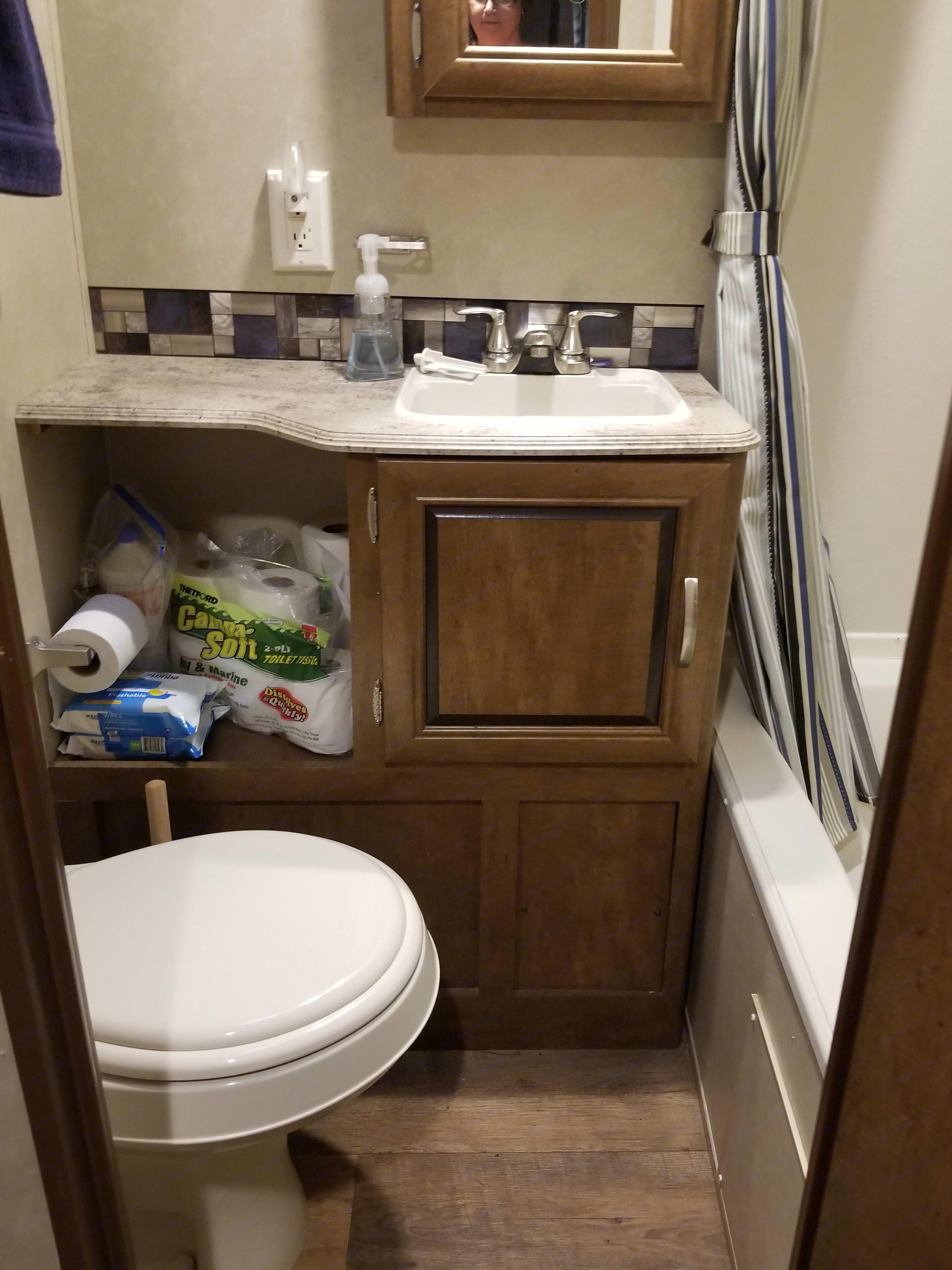 Bathroom . Forest River Wildwood 2016