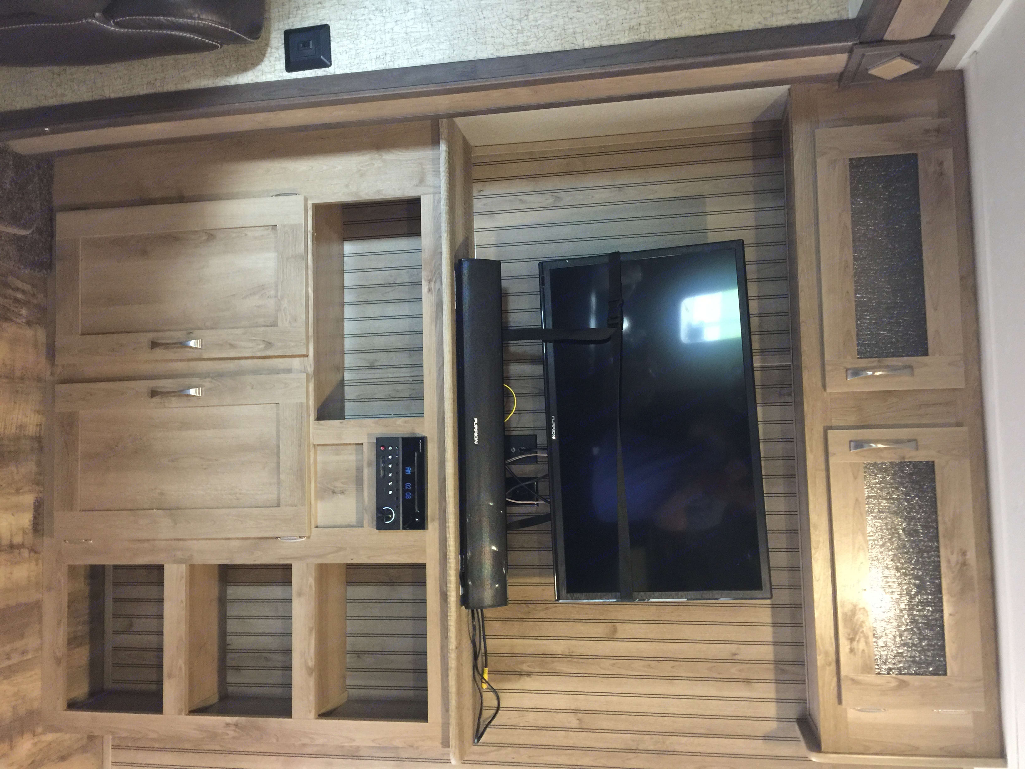 Entertainment TV area, stereo with built in DVD player, sound bar,  USB and MP3 with outdoor speakers. . Palomino Puma 2016