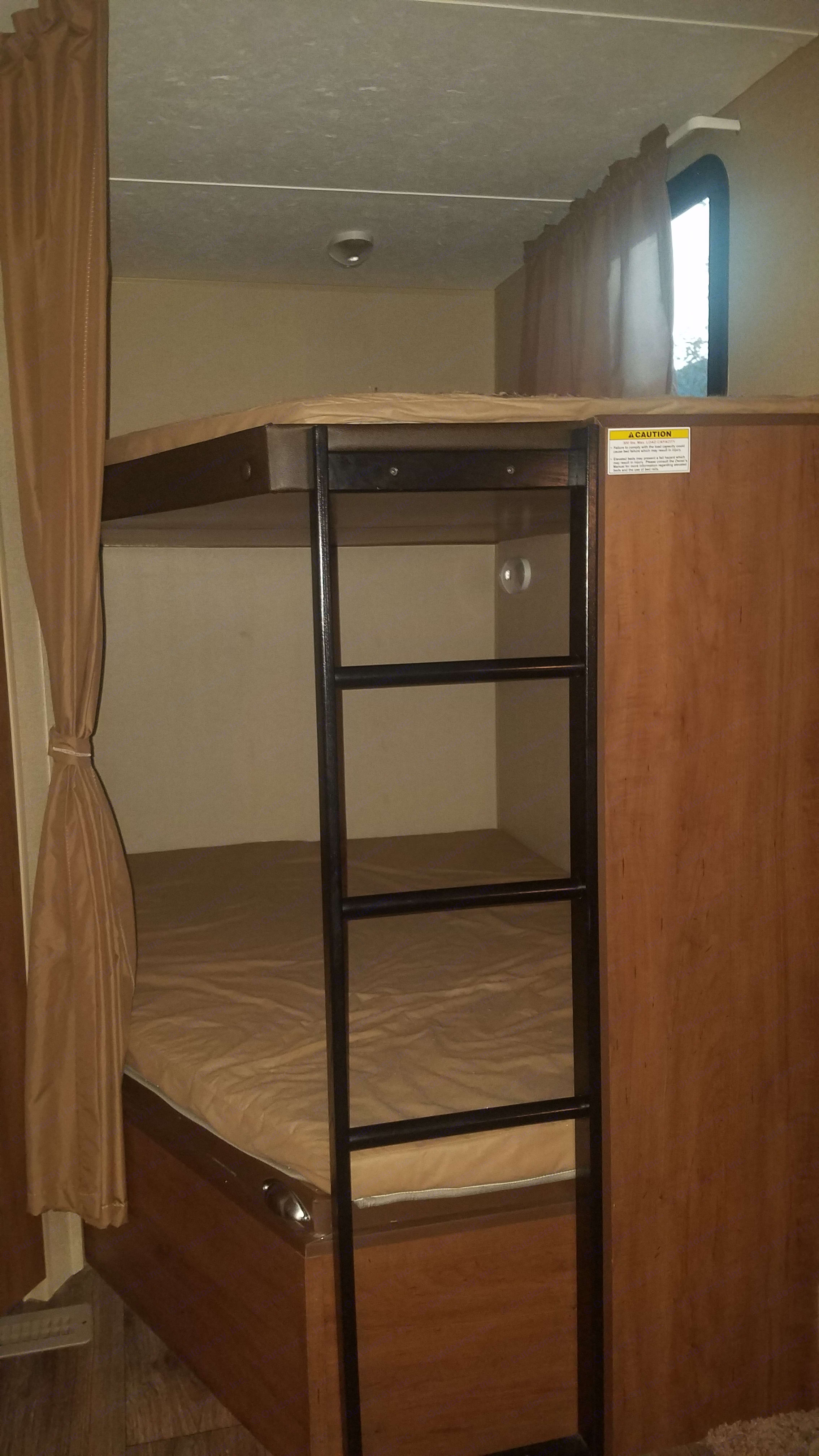 Double bunks offer plenty of room for sleeping and storage. Dutchmen Aspen Trail 2015