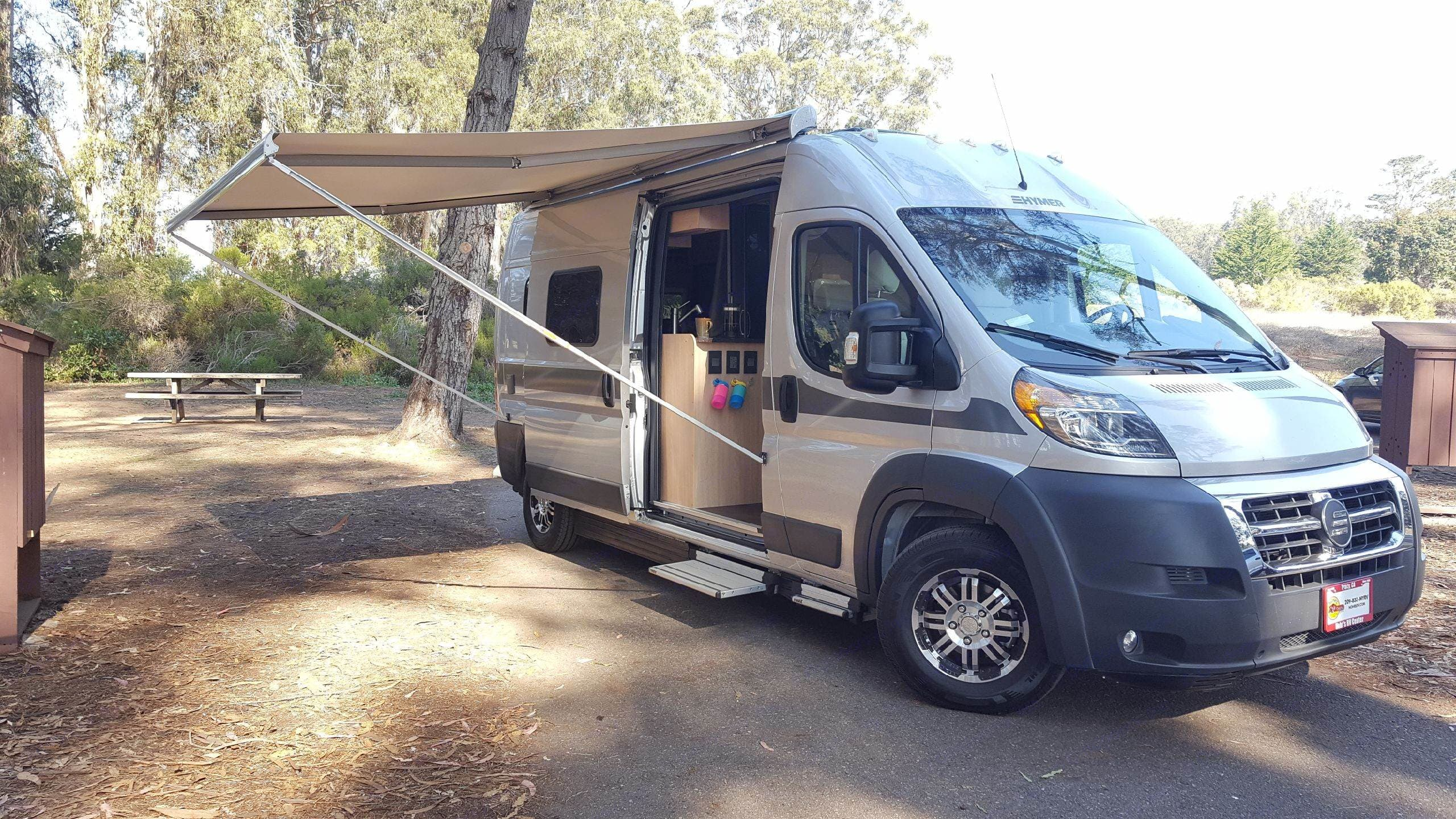 Electronic awning provides plenty of shade!  The power steps makes getting in and out easy, especially for kids.  . Hymer Aktiv 1.0 2018