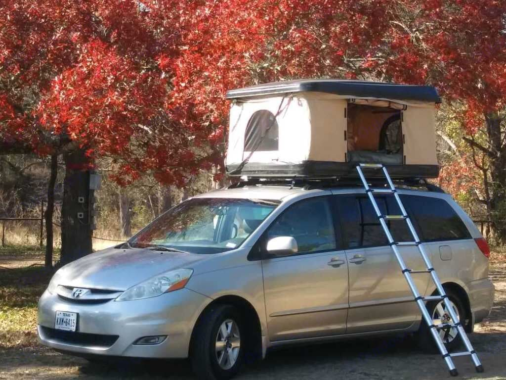 Sleeps 2 inside and 2 in the rooftop tent!. Toyota sienna 2008