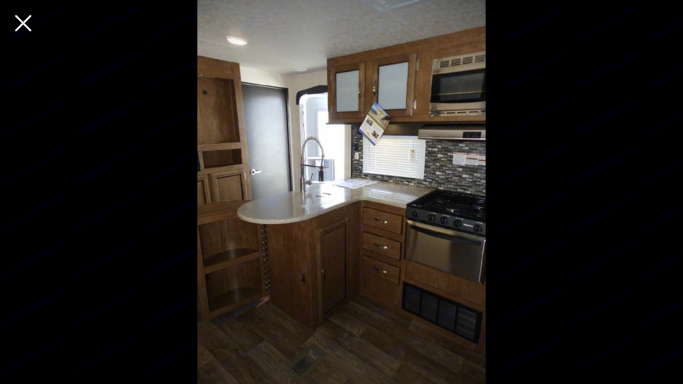 Full Kitchen, Gas Stove, Oven, Microwave, Refrigerator & Freezer. With plenty of pantry space.. Forest River Salem 2018