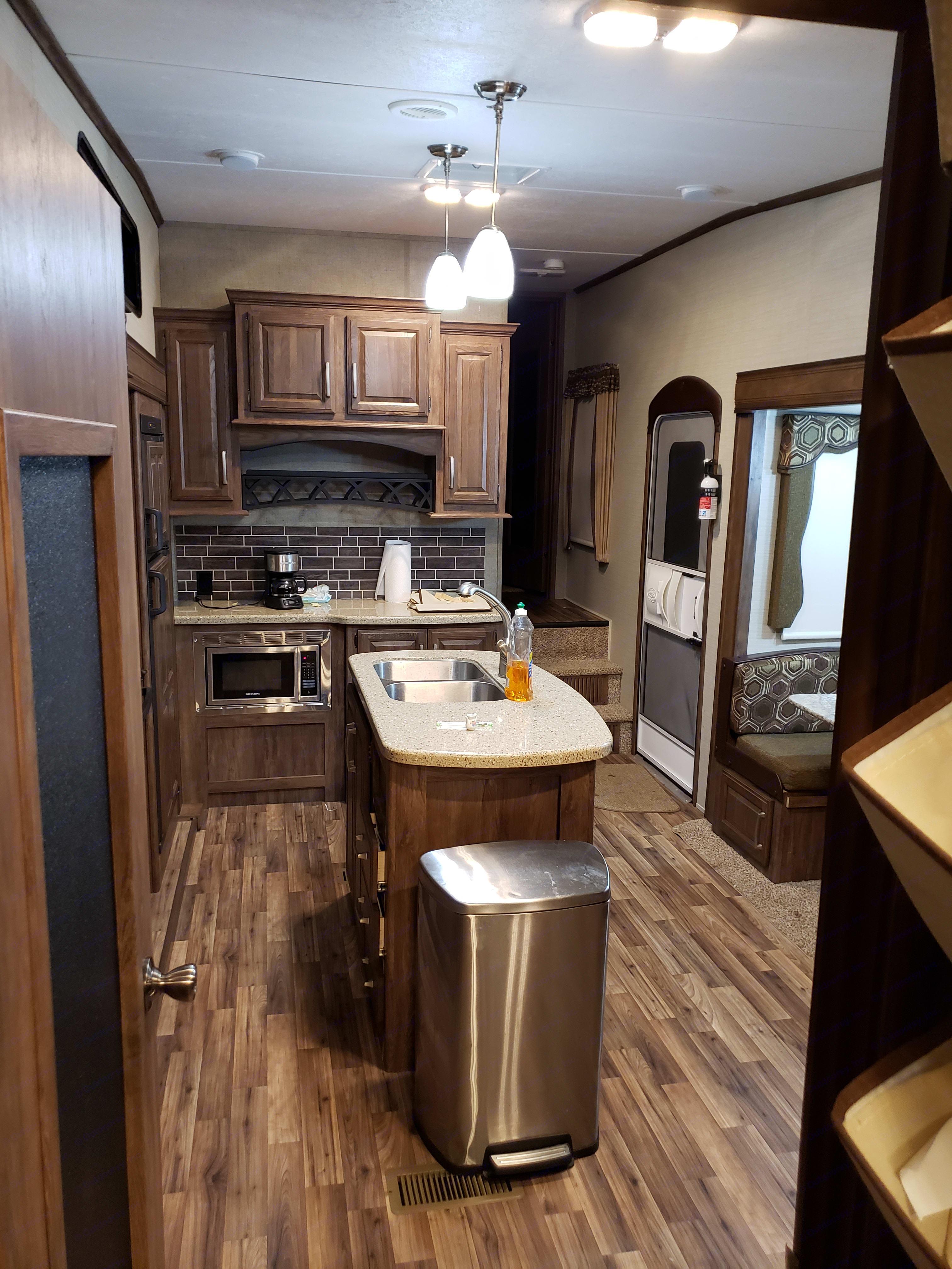 Kitchen with island. Keystone Cougar 2016
