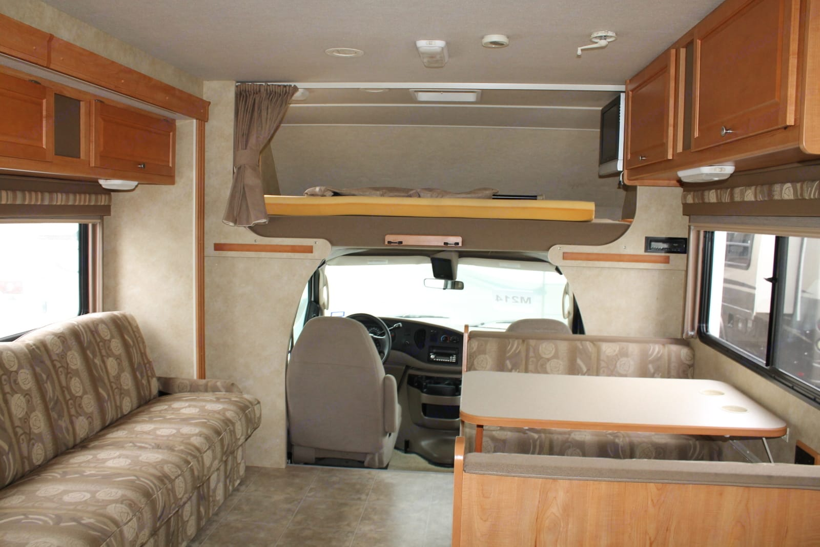 Winnebago Access 2008
