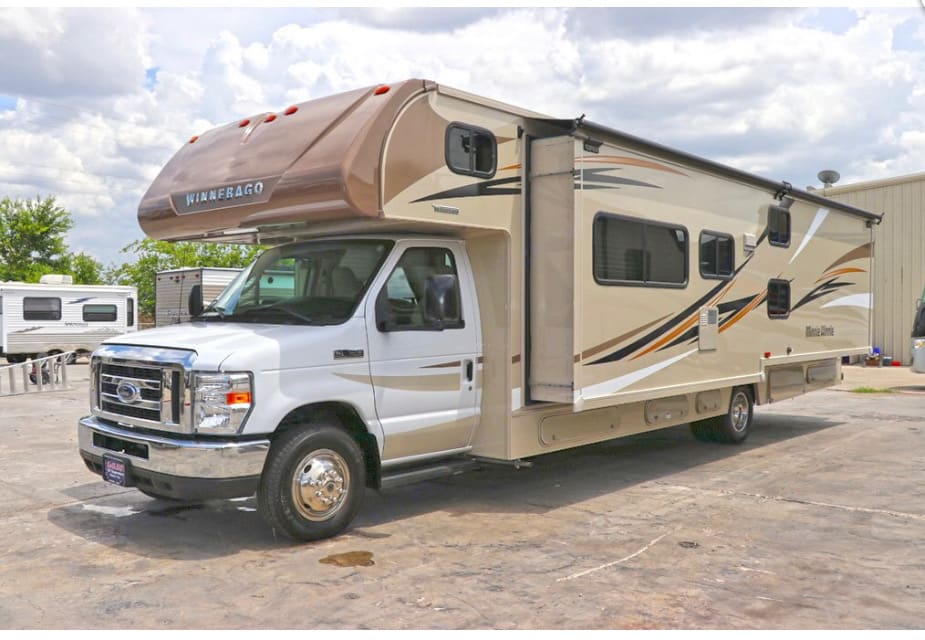 This RV has a slide out which offers more living space!. Winnebago Minnie-Winnie 2018
