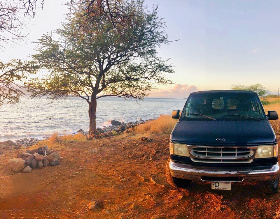 lahaina sunset campsite . Ford Econolline 250 2002