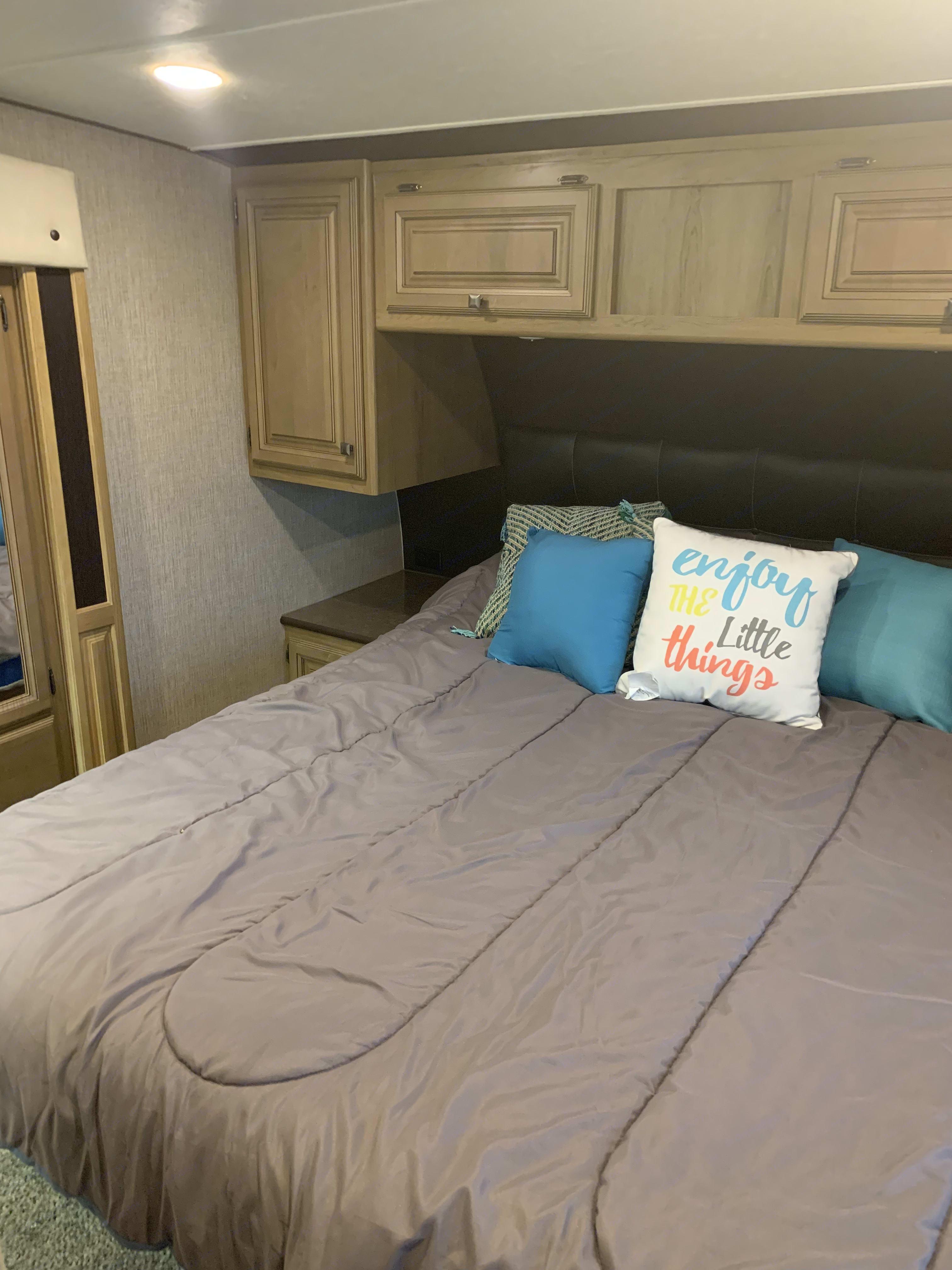 Master Bedroom . Crossroads Cruiser 305RS 2015