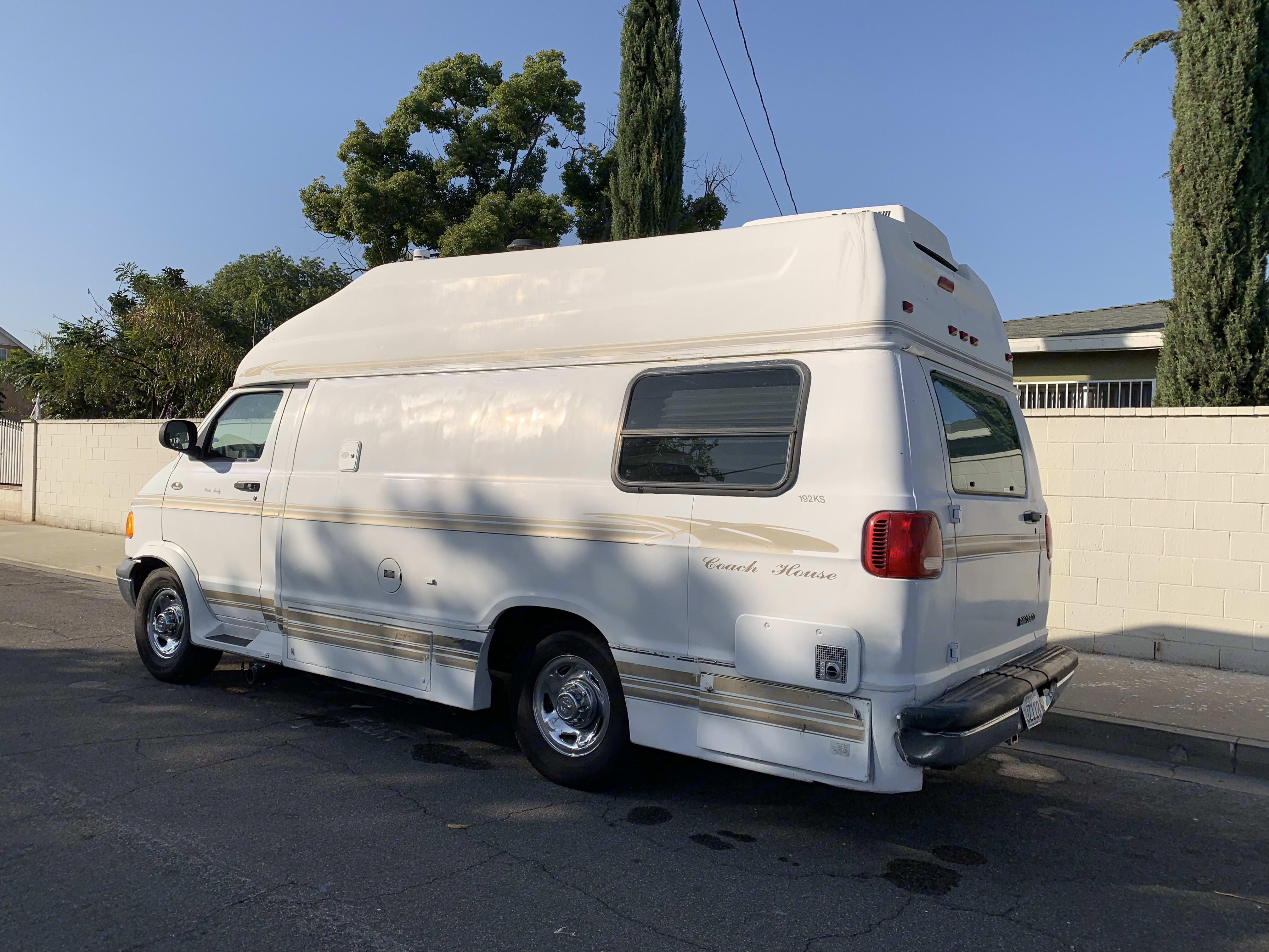 Dodge 3500 Ram Van 2000