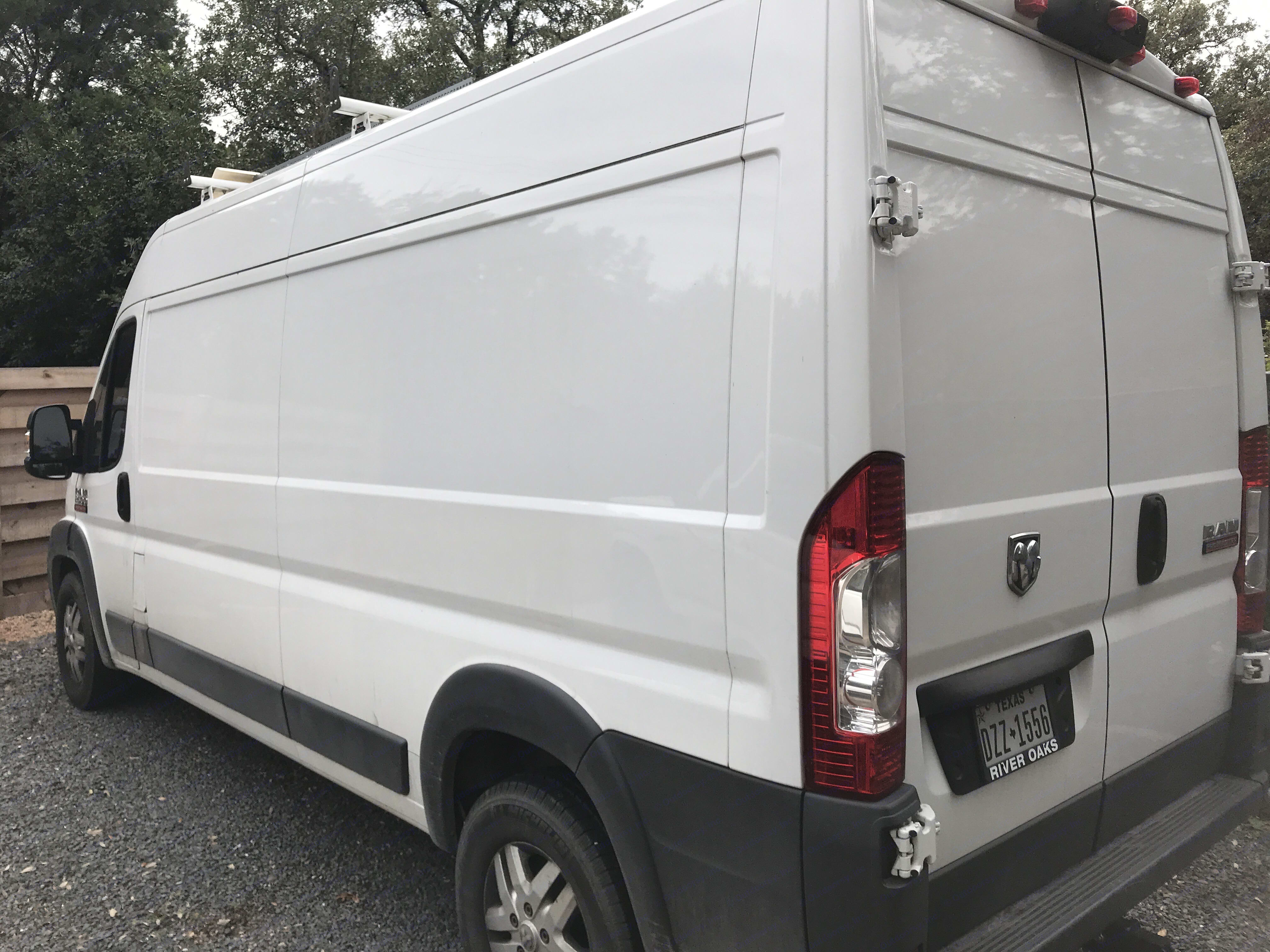 Large open van . Dodge Other 2014