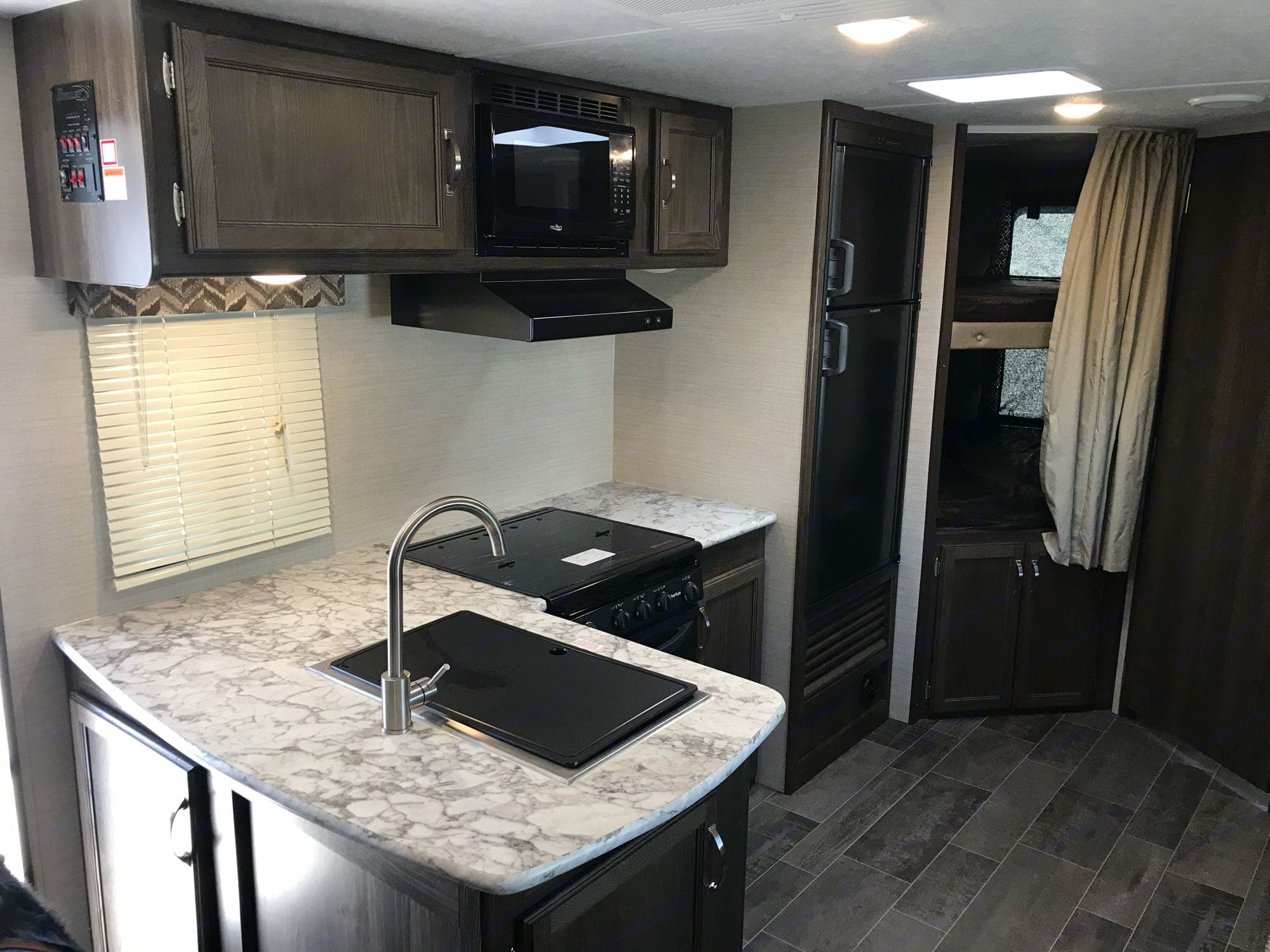 Kitchen and double bunks. Keystone Bullet 2018