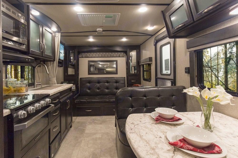 living room and sofa. Grand Design Imagine XLS21bhs 2019