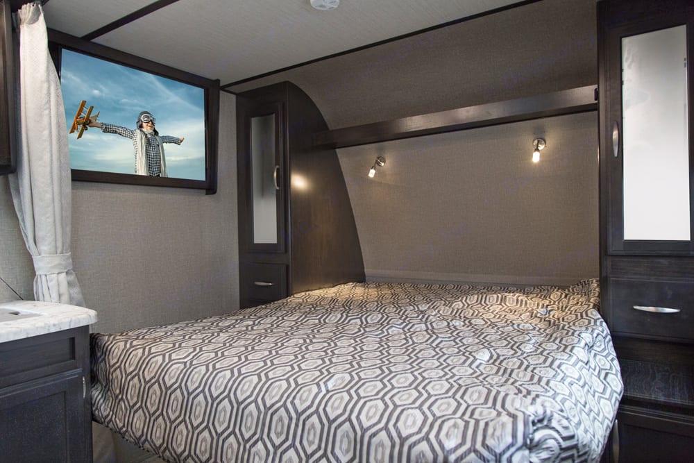 Murphy bed down . Grand Design Imagine XLS21bhs 2019