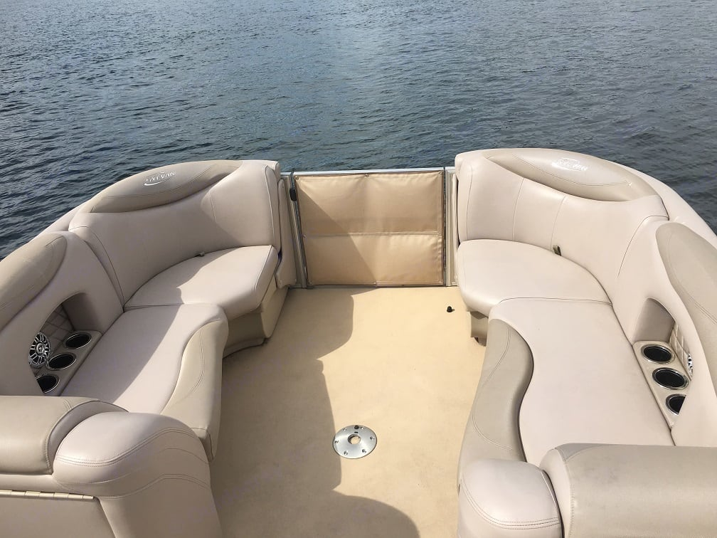 Slyvan Patio Pontoon Boat 2016