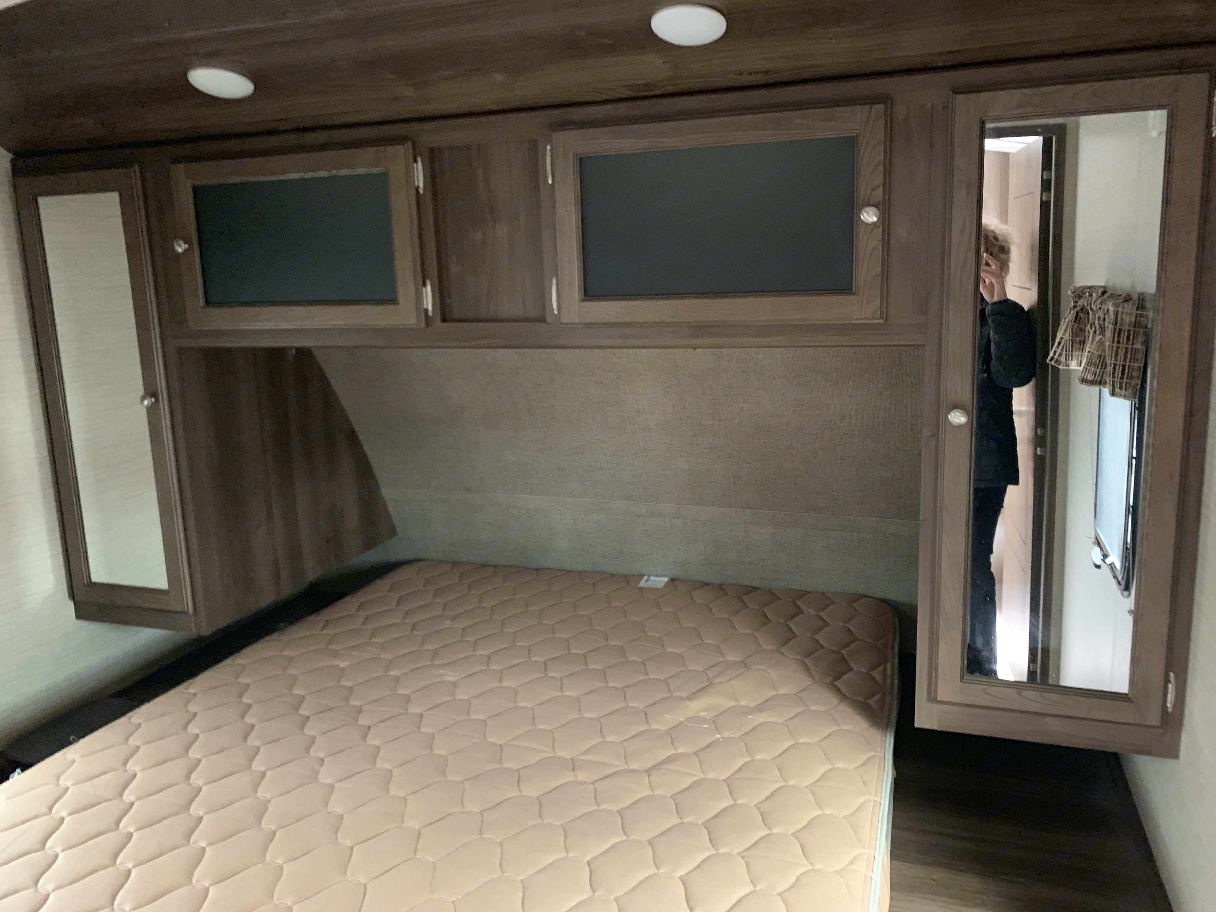 Queen bed with lots of storage. Keystone Bullet Premier 2015