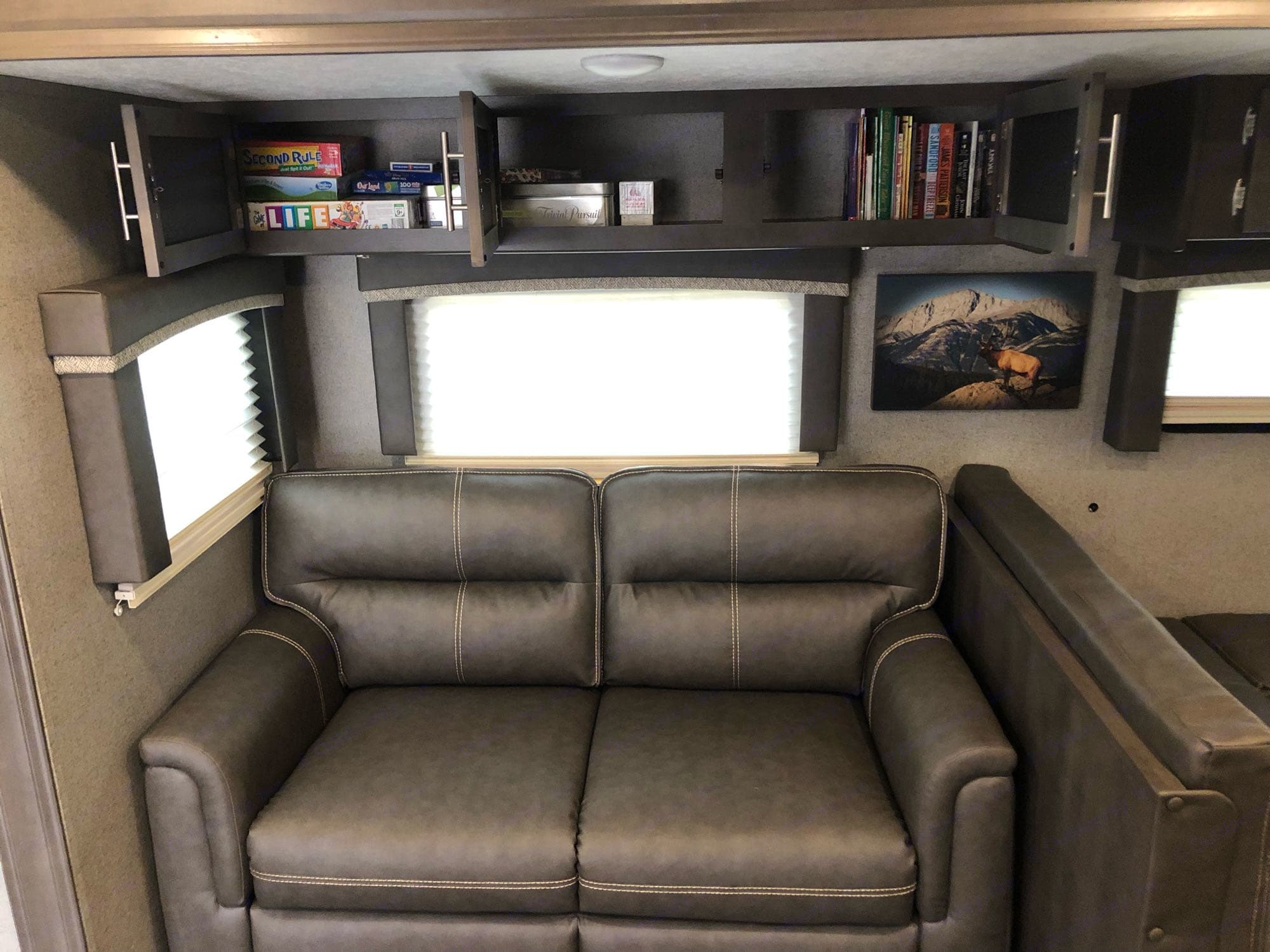 games, books and movies already on board. Forest River Rockwood Ultra Lite 2019